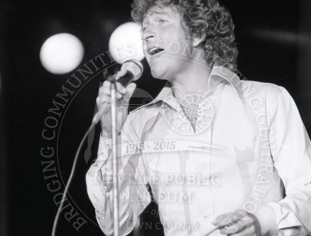 Mac Davis at the Brown County Veterans Memorial Arena on Sept. 6, 1978.