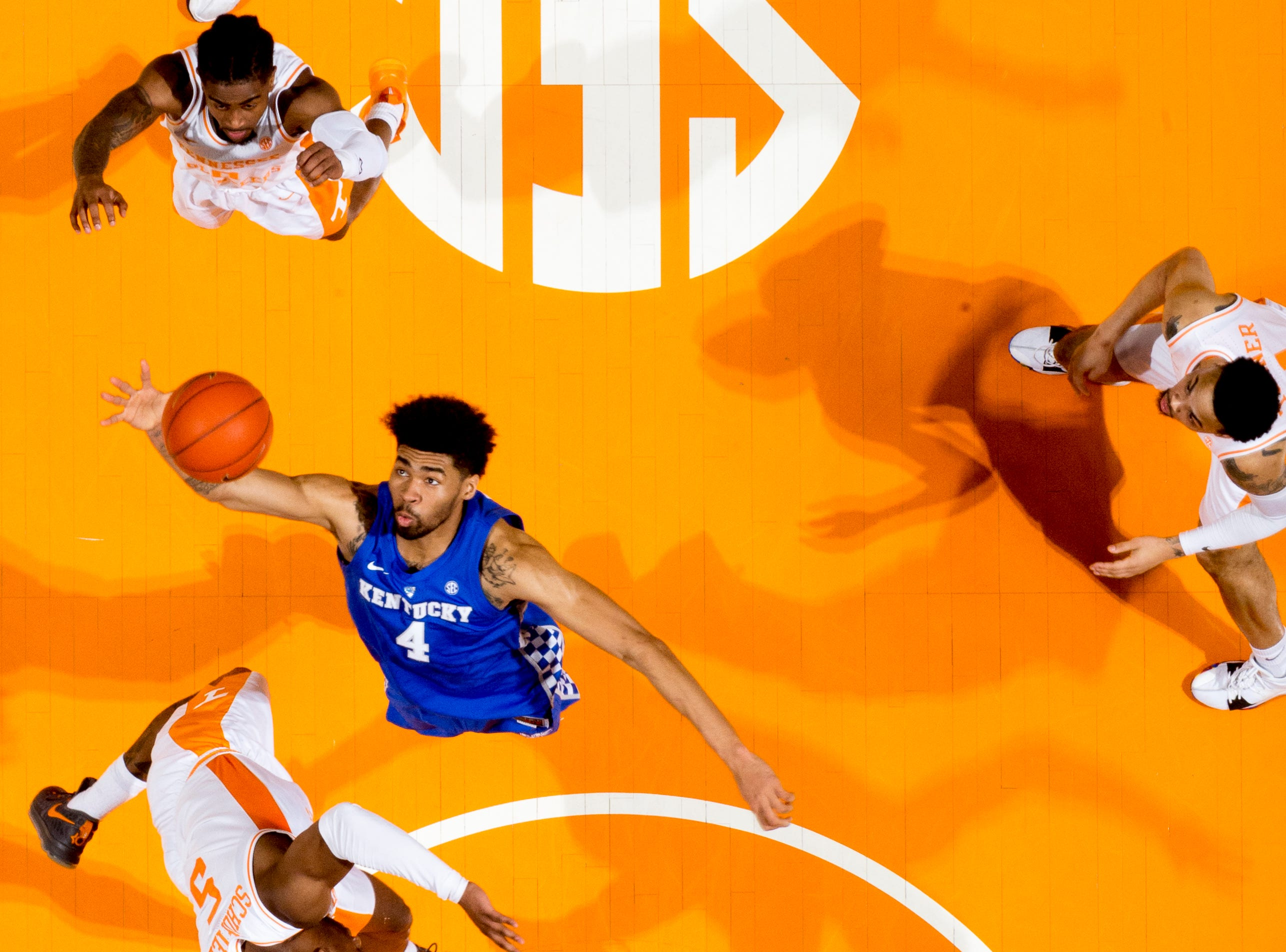 Kentucky forward Nick Richards (4) reaches for the ball during a game between Tennessee and Kentucky at Thompson-Boling Arena in Knoxville, Tennessee on Saturday, March 2, 2019.