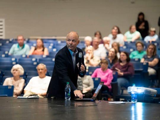 Preston Elliott of KCI gives a presentation on the Hardin Valley Mobility Plan on Wednesday, April 10, 2019.