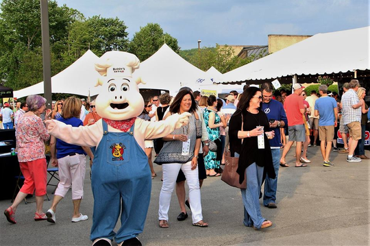 The perennially popular Taste of Farragut returns for the 10th year on May 3.  Two dozen restaurants and another dozen businesses will participate in the event held at 11240 Kingston Pike, the old Kroger lot.