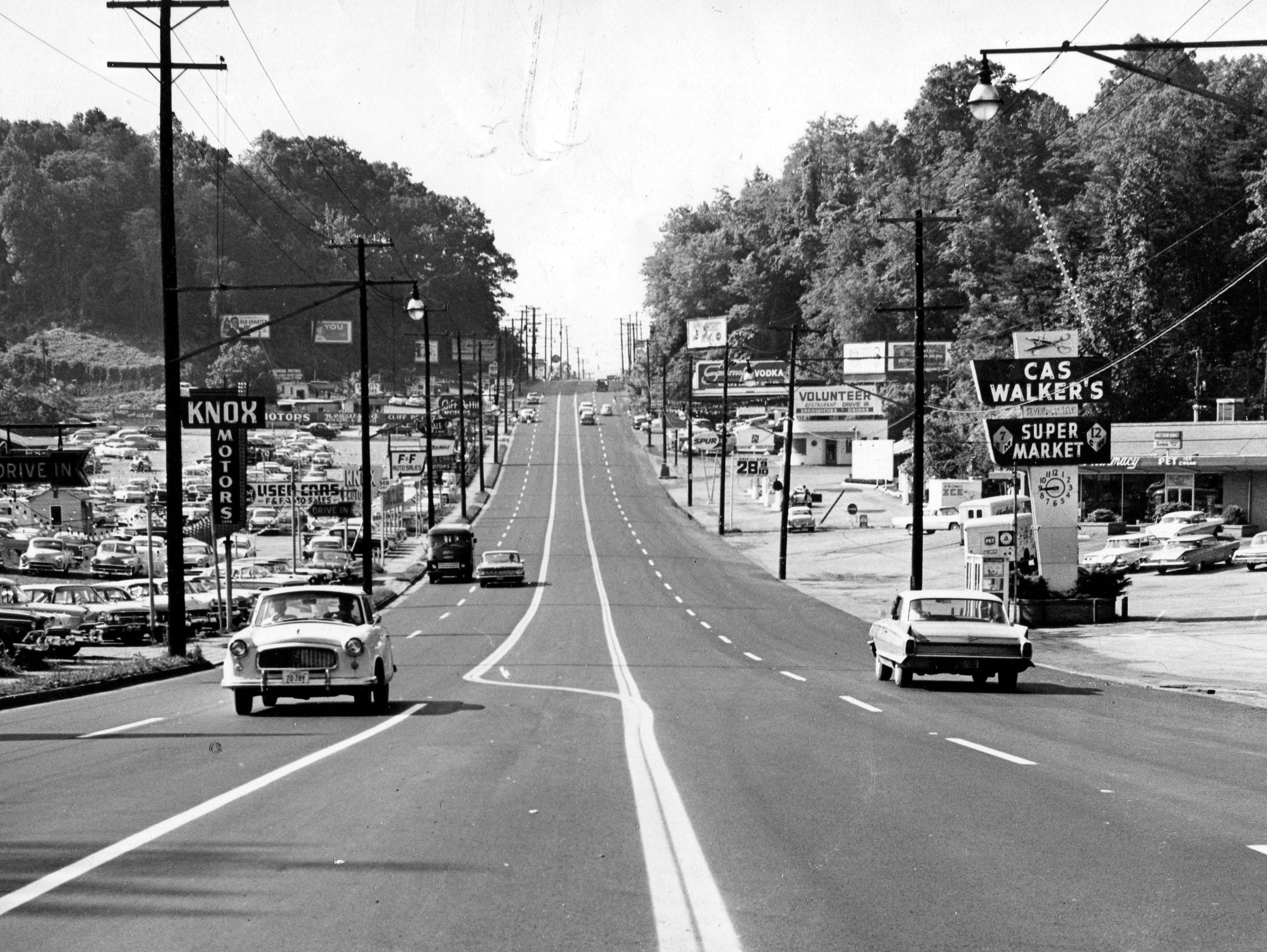 Chapman Highway in 1962 near the Cas Walker store.