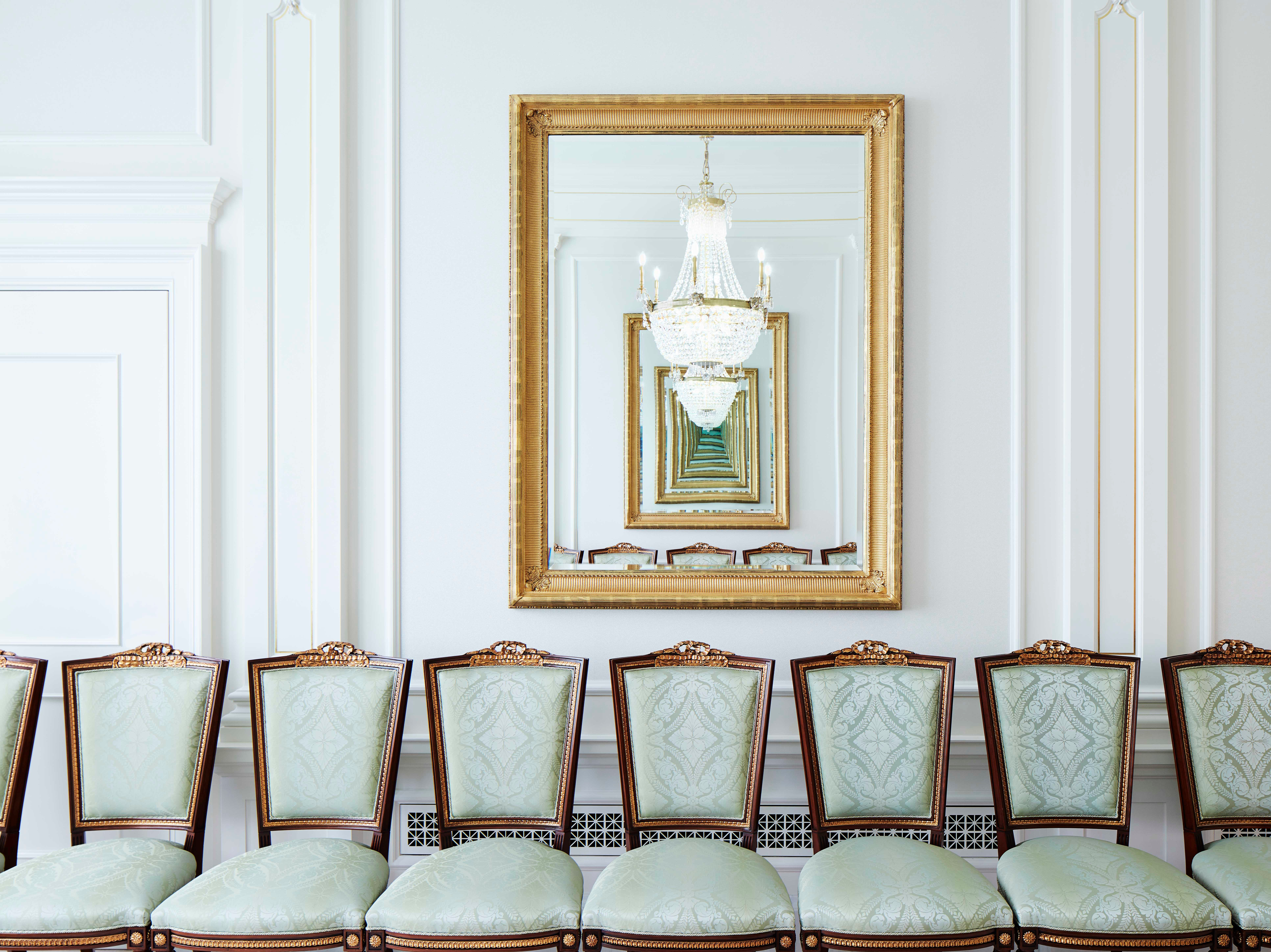 This image features the sealing room in the Memphis Tennessee Temple.