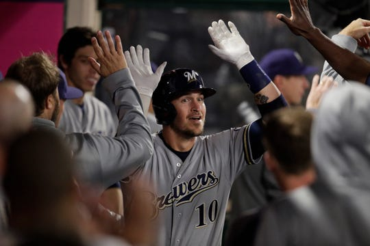 Former Dodgers catcher Yasmani Grandal should have some inside knowledge he can share with his new Brewers teammates when they play Los Angeles this weekend.