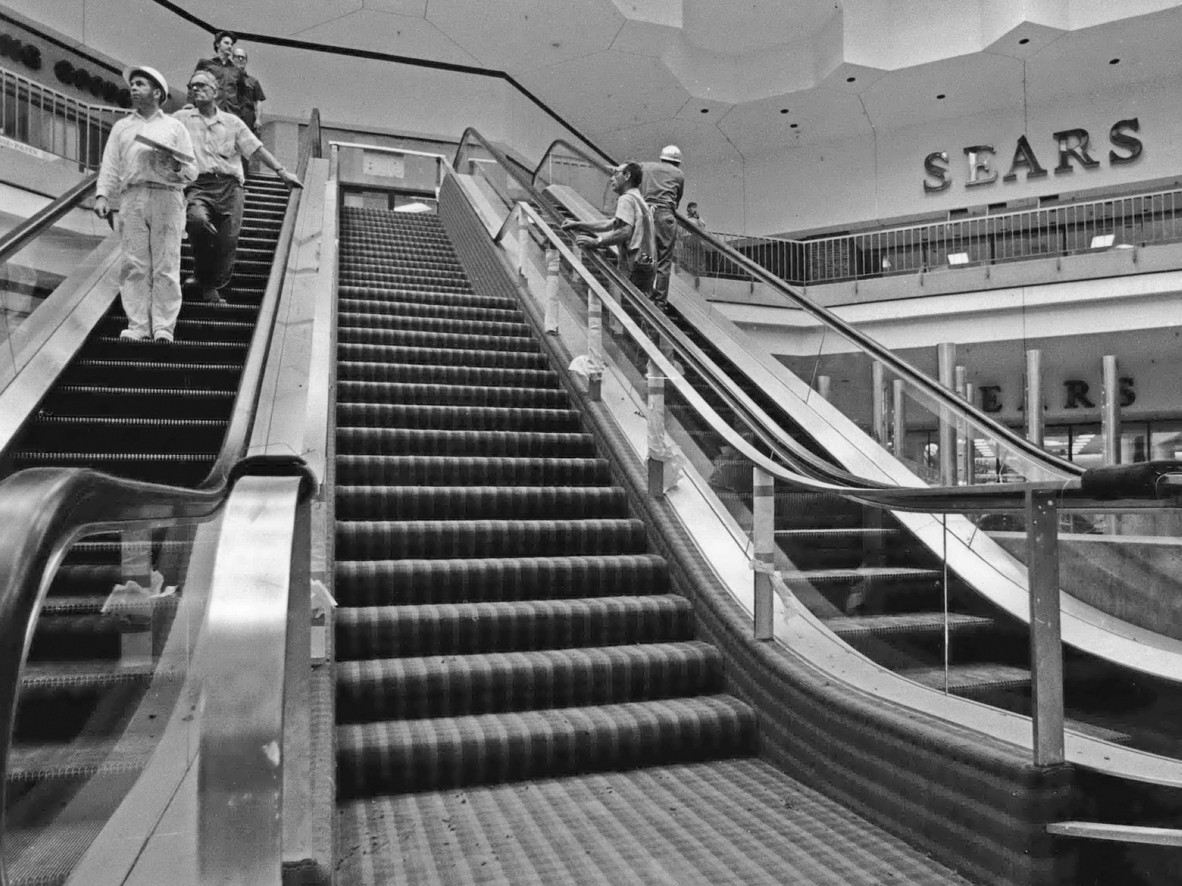 1972: Moving from one level to another is easy at Northridge Shopping Center.