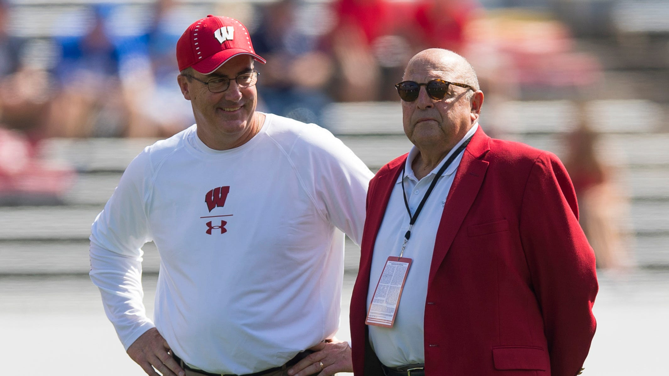 Barry Alvarez asks Wisconsin fans to fight together against COVID-19