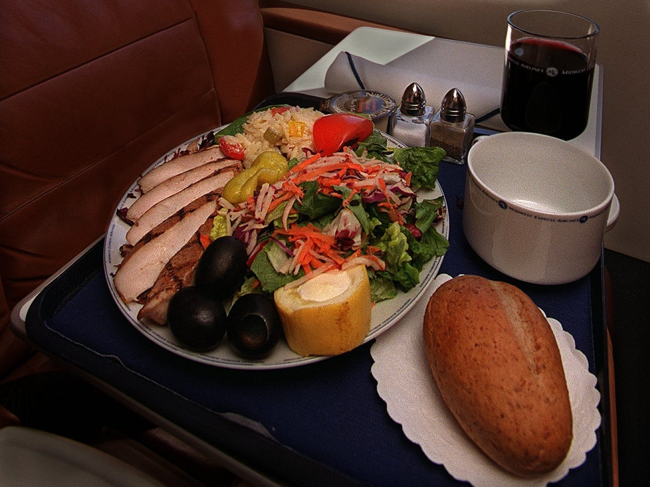 A typical meal is displayed on the tray of a Midwest Express Jet bound for Washington, D.C., April 25, 2000. Meals are prepared nearby and put on the flight about an hour before take off.