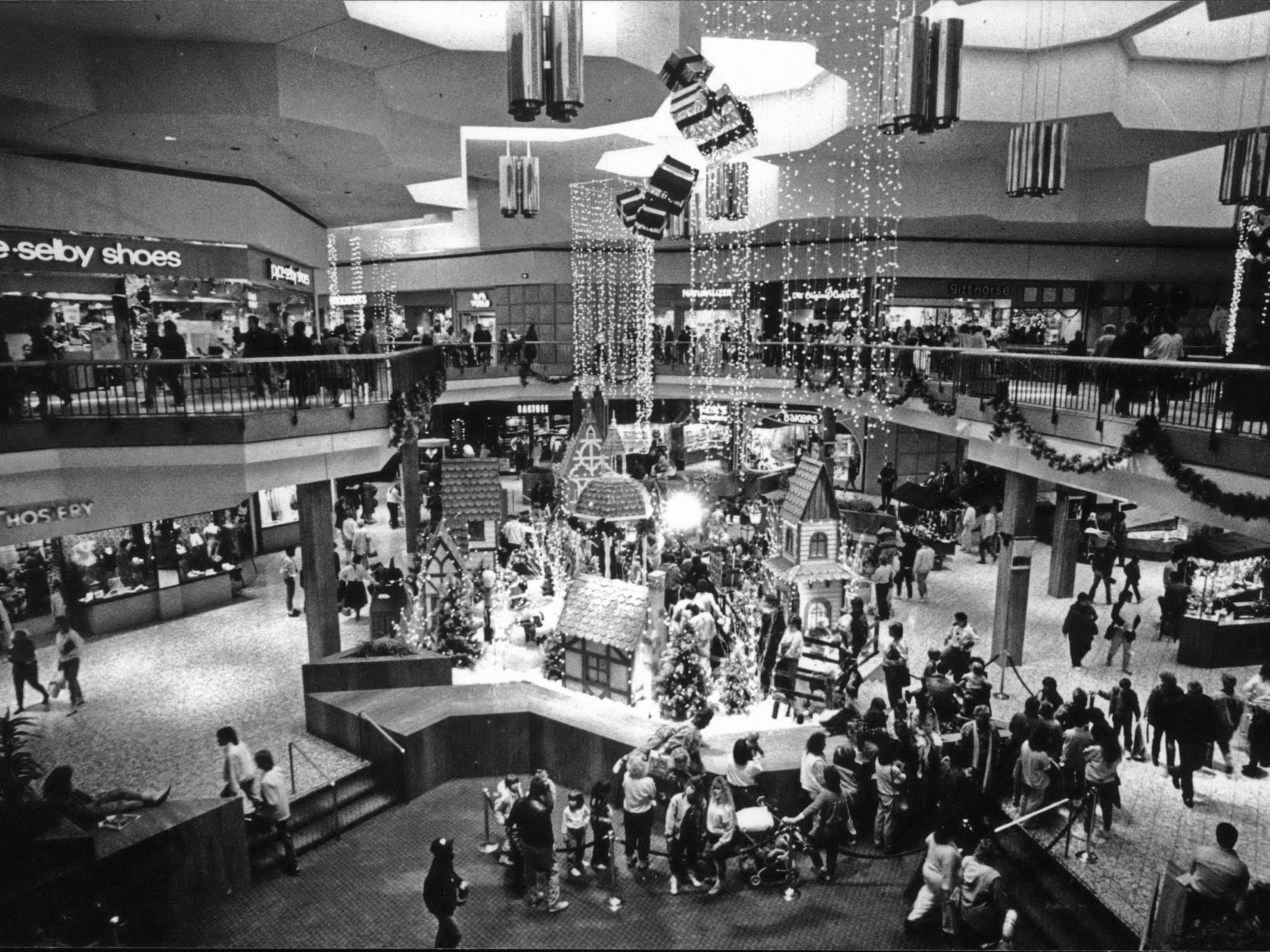 November 1987: Northridge customers took time out from shopping to visit Santa Claus.