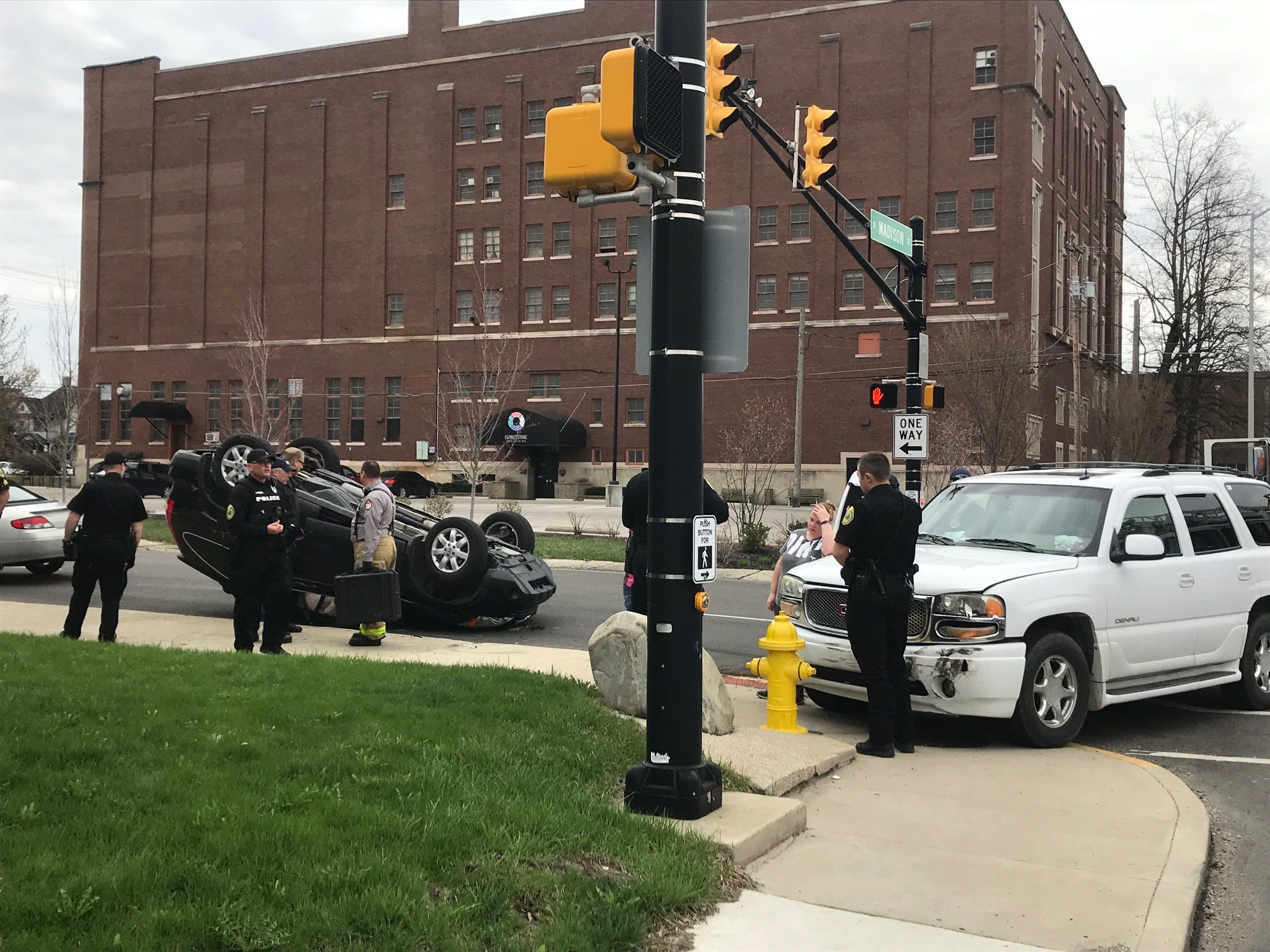 A Wednesday traffic accident at Washington and Madison streets left a Honda vehicle on its roof.