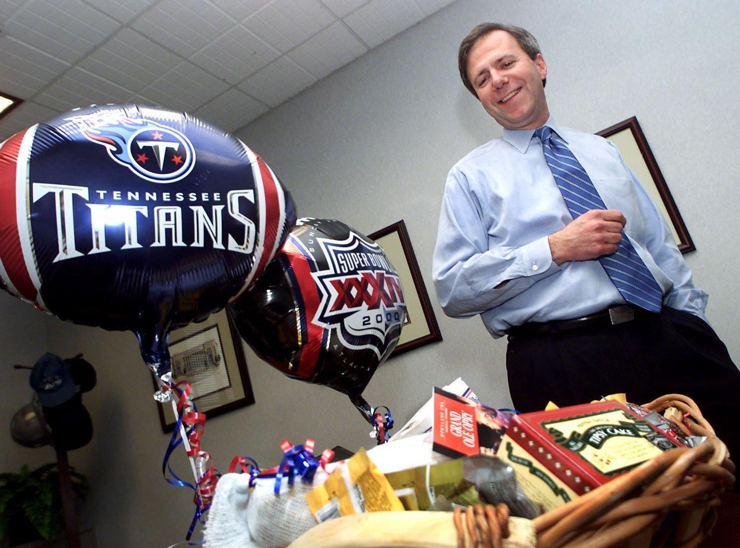 Nashville Mayor Bill Purcell looks over a basket of goodies in his office Jan. 25, 2000 that will be sent to the Mayor of St. Louis because the Tennessee Titans are playing St. Louis Rams in Super Bowl XXXIV.