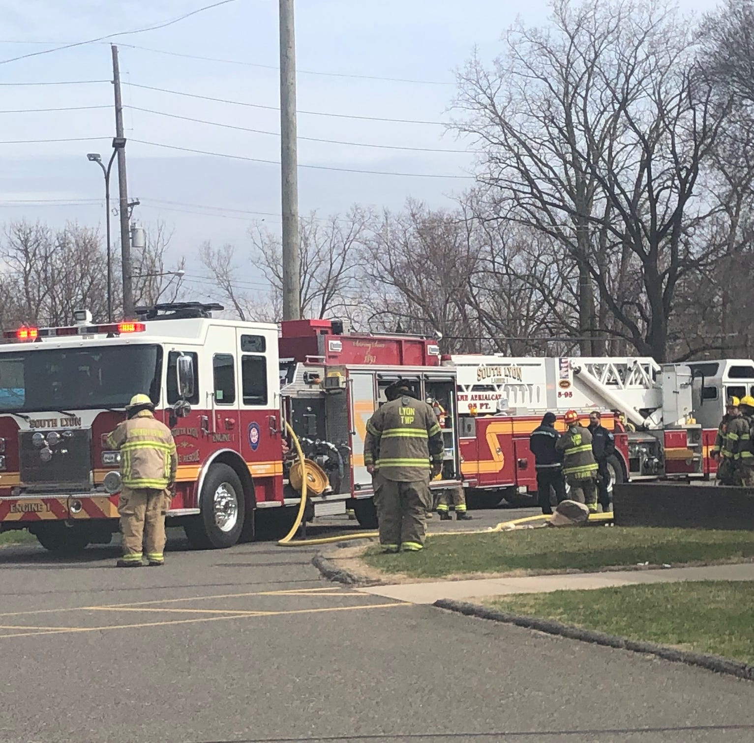 Live electrical wire falls on PNC branch in South Lyon
