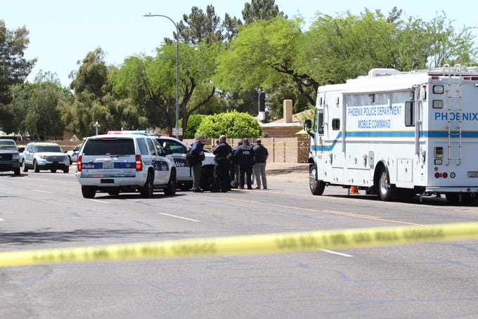 Federal agents shoot 2 while serving arrest warrant near Ahwatukee