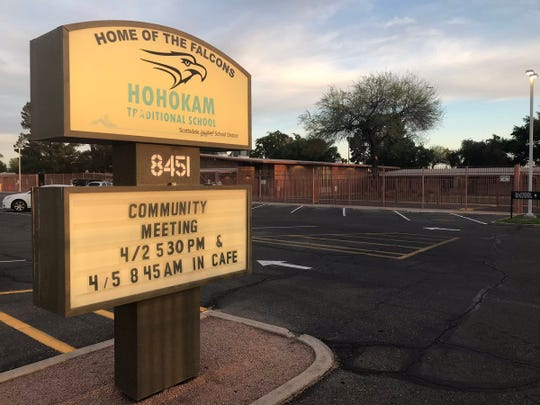 Parents and staff meet at Hohokam Elementary in Scottsdale Tuesday, April 2 to discuss the rebuild of Hohokam and the potential closure of Yavapai Elementary.