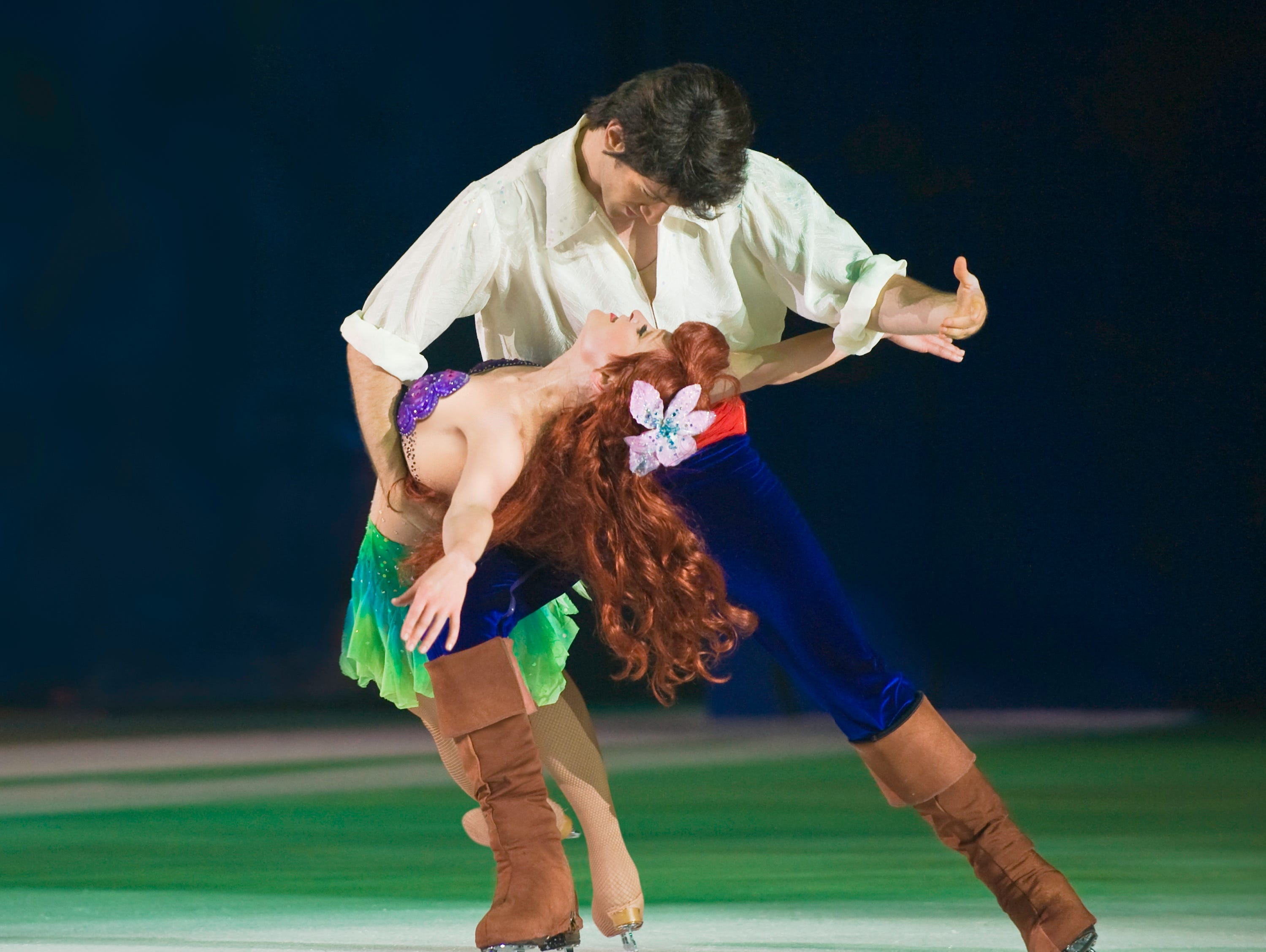 Sumérgete en una aventura con Ariel de The Little Mermaid de Disney y explora con ella su reino bajo el mar.