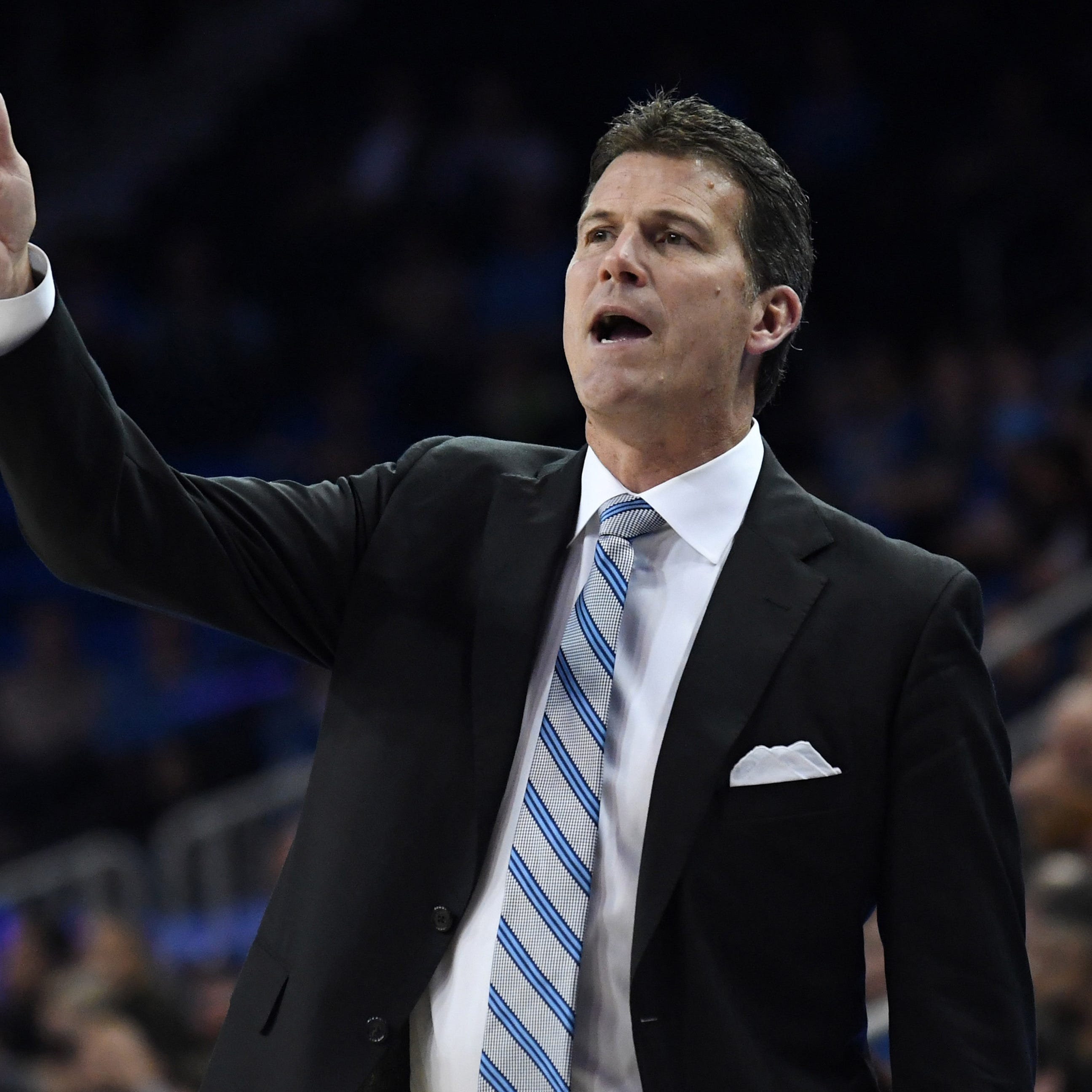 Nevada Wolf Pack: See basketball coach Steve Alford get off a plane in Reno