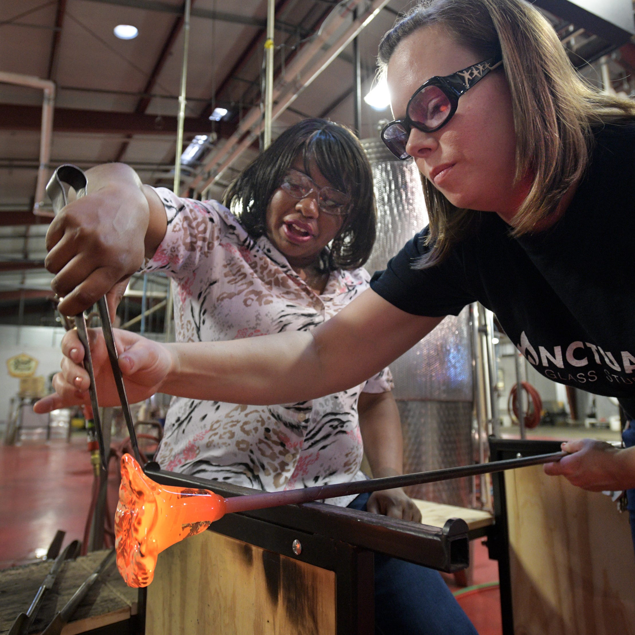 Shreveport glassmakers aim to build art community with Sanctuary Glass Studio, Arts School