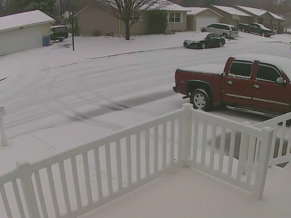 Snow in Sioux Falls on Thursday morning.