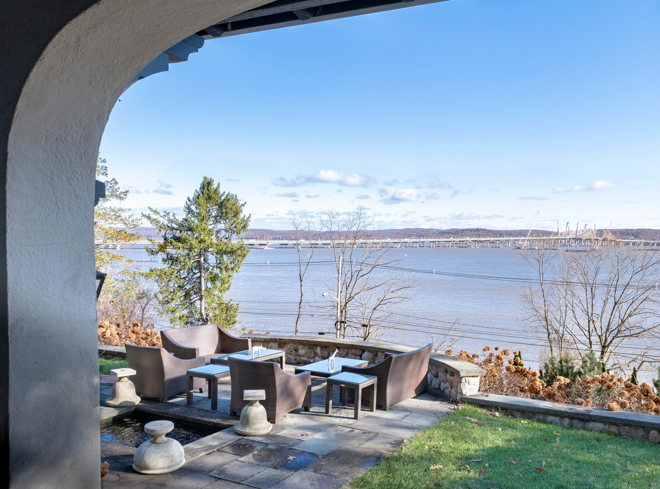View of the Hudson River from Overledge in Grand View.