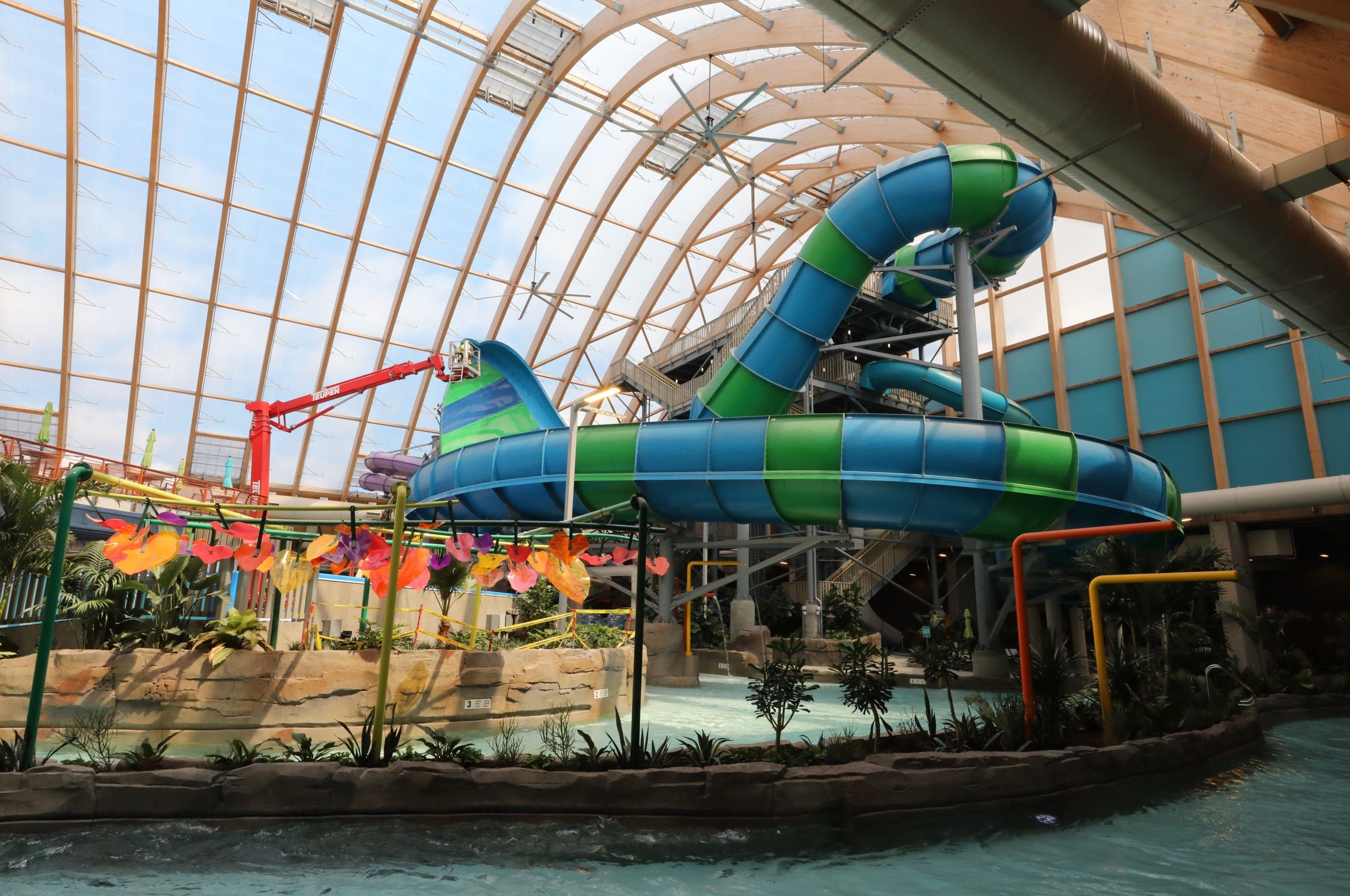 Inside New York S Largest Waterpark