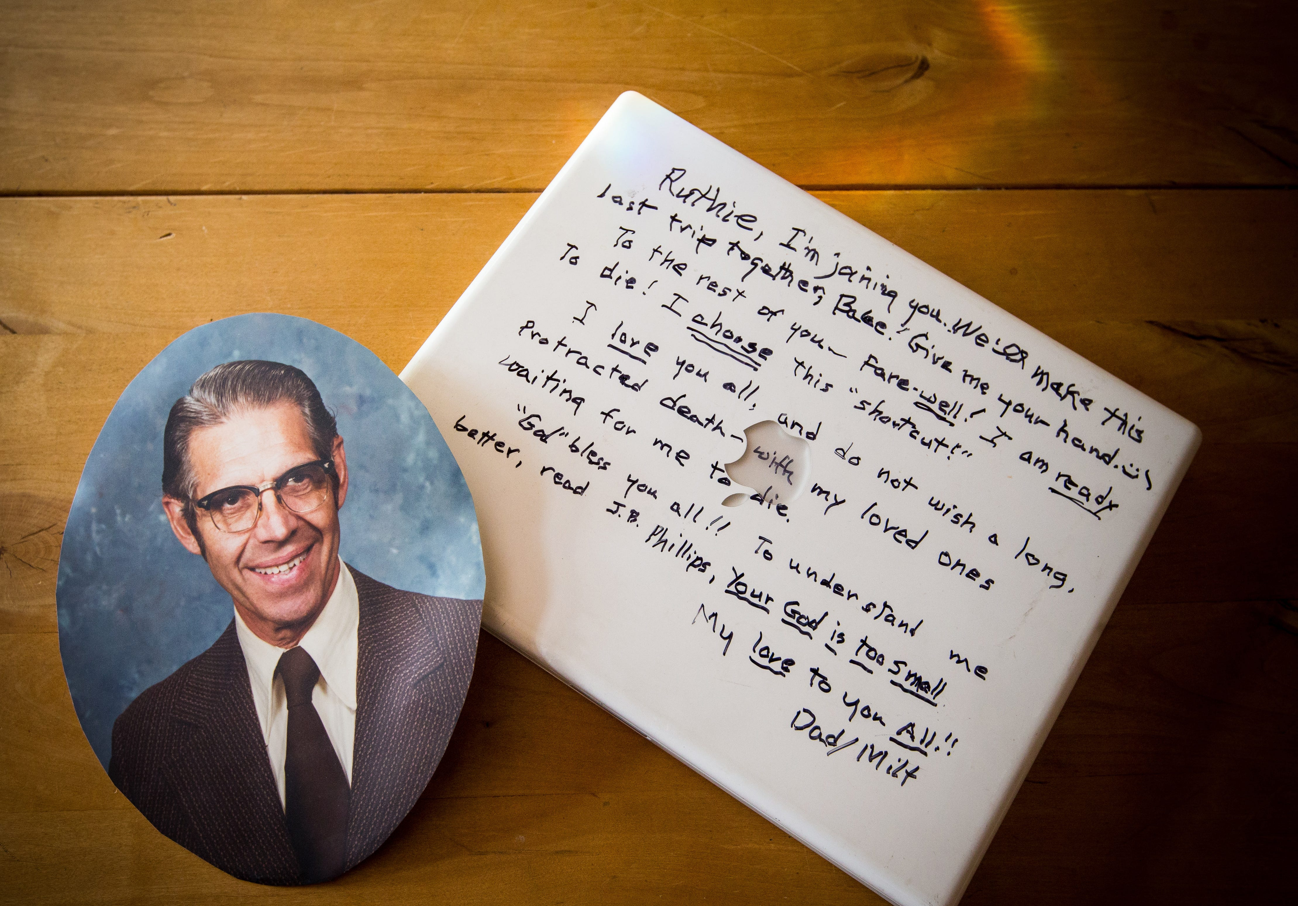 Retired Seattle minister Milt Andrews, 90, ended his life on Valentine's Day 2013 at his assisted living center, leaving behind a note written in black marker on the cover of his laptop computer.
