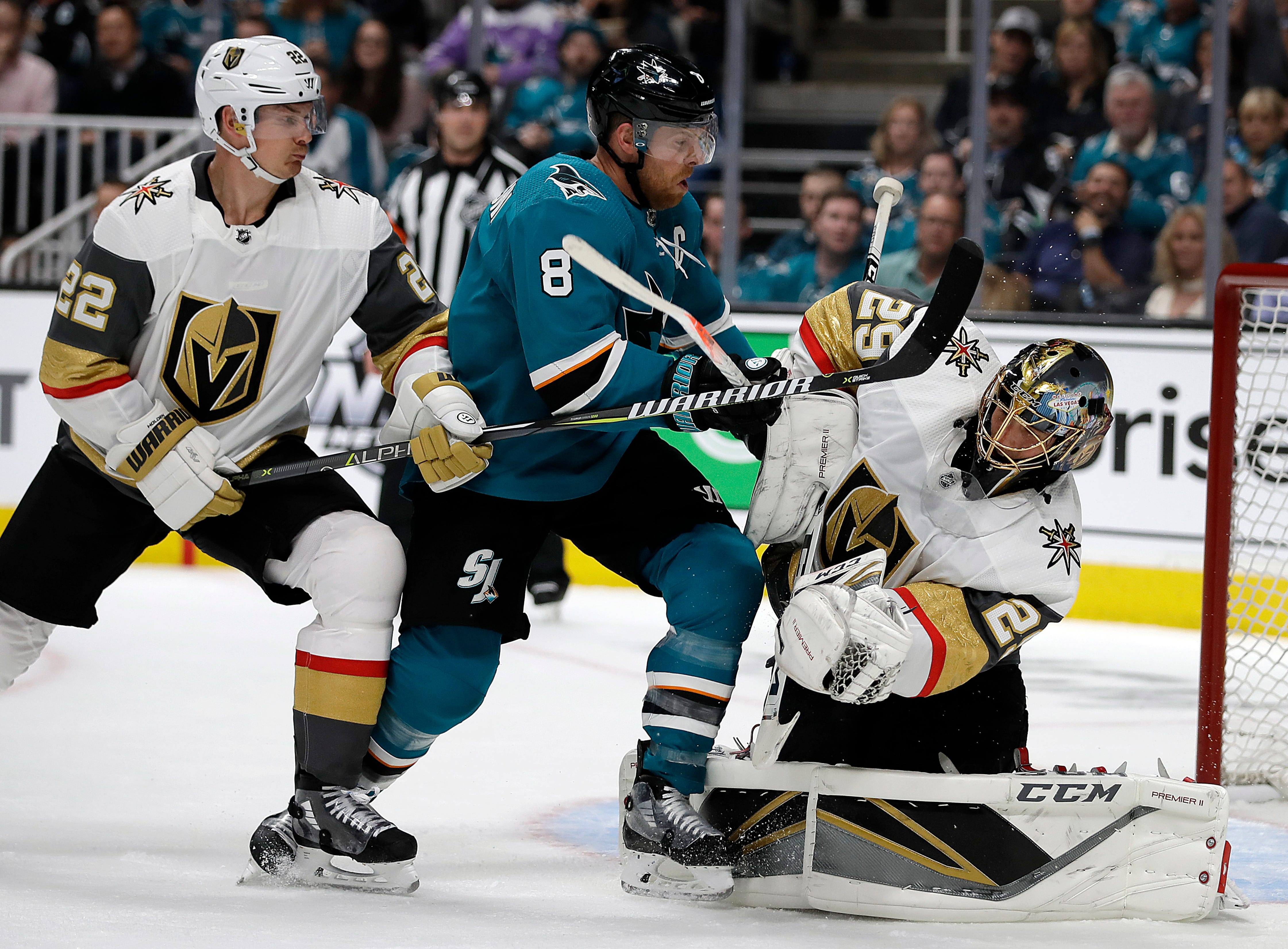 Sharks captain Joe Pavelski scores goal with his face in Game 1 vs. Golden Knights