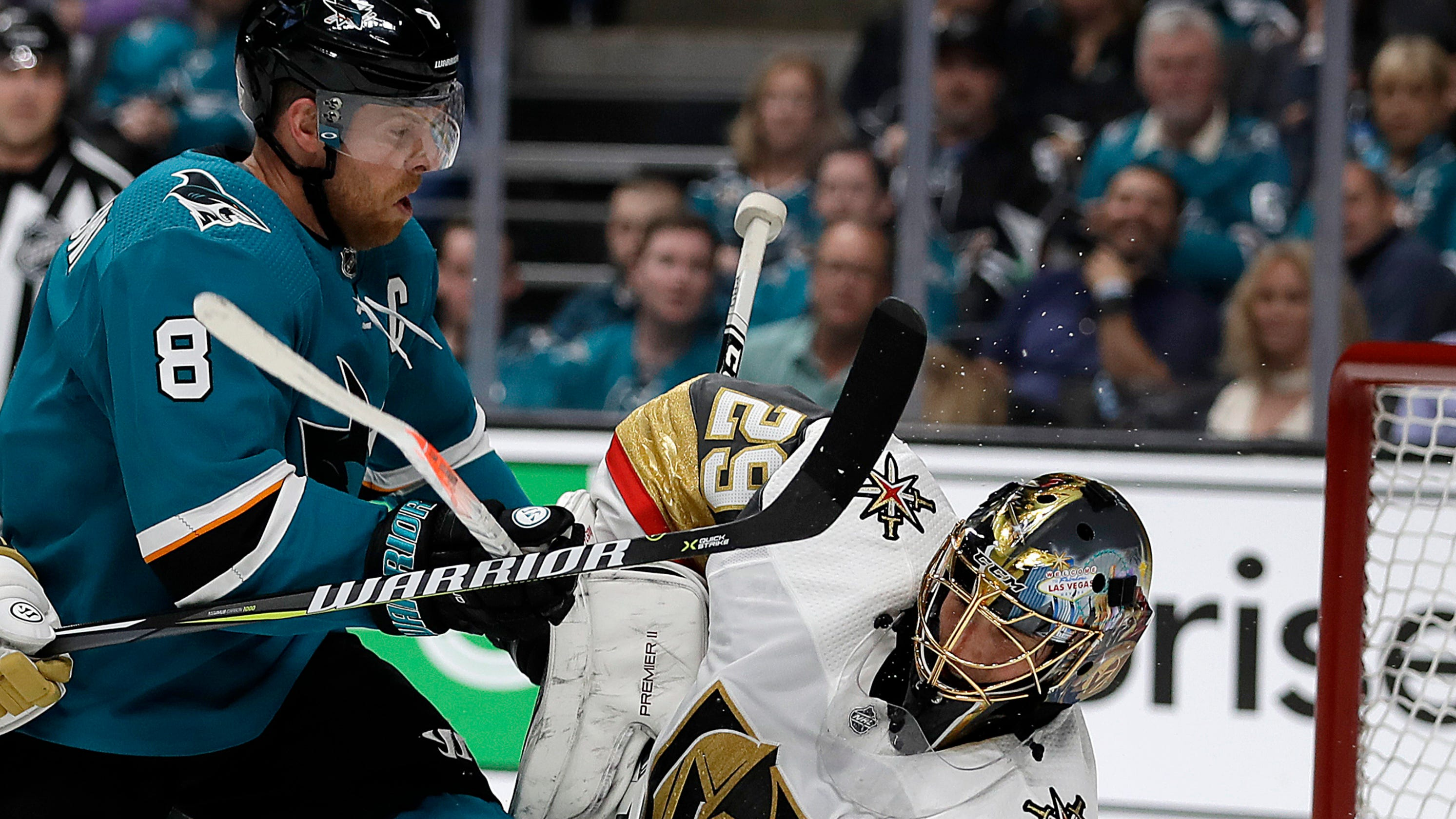 NHL playoffs: Joe Pavelski of Sharks scores goal off his face