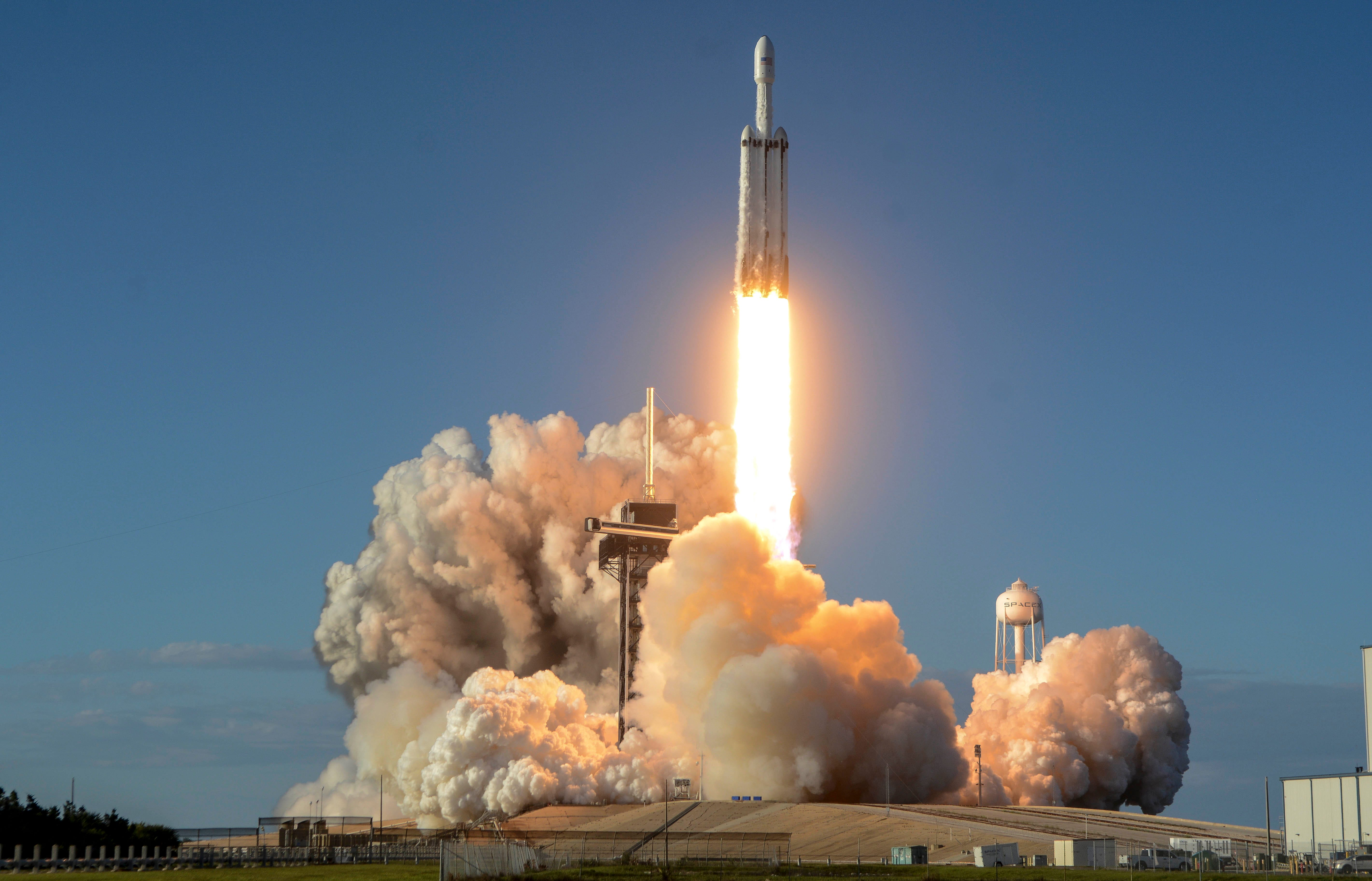 SpaceX Falcon Heavy: Why everyone should watch this night launch from Kennedy Space Center