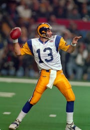 St. Louis Rams quarterback Kurt Warner in action against the Tennessee Titans during Super Bowl XXXIV at the Georgia Dome. The Rams defeated the Titans 23-16.