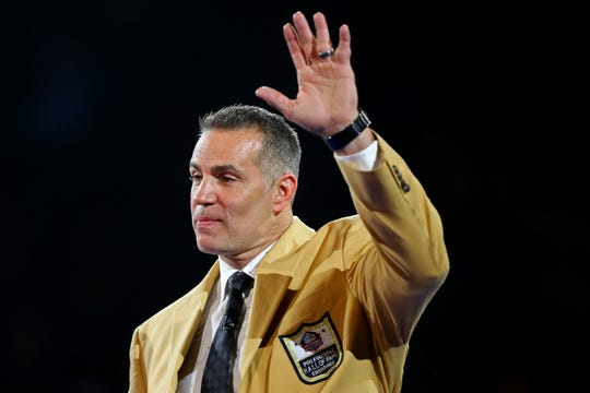 Cedar Rapids native Kurt Warner is the first Iowan in the Pro Football Hall of Fame