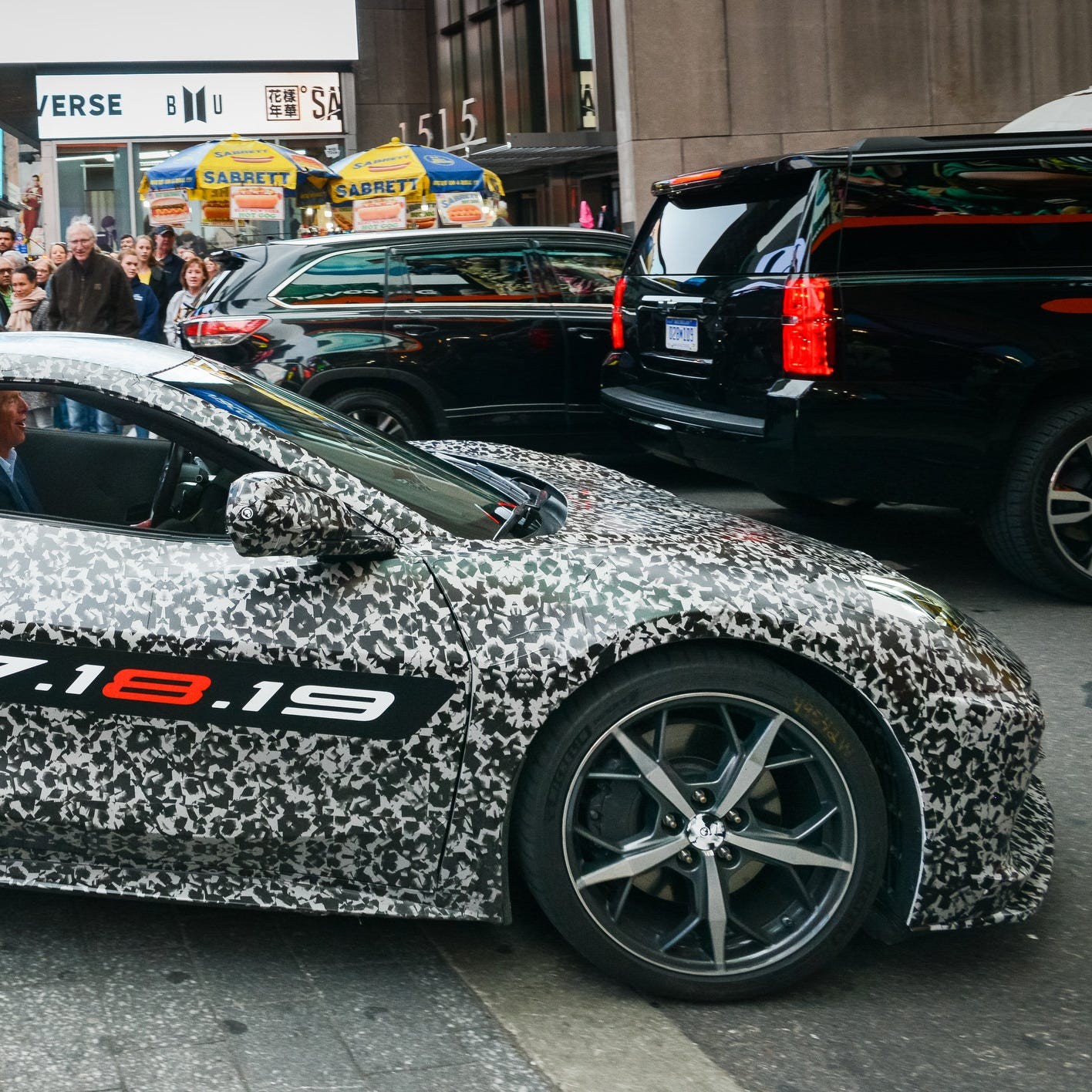 GM unveils mid-engine Corvette, a 60-year dream come true