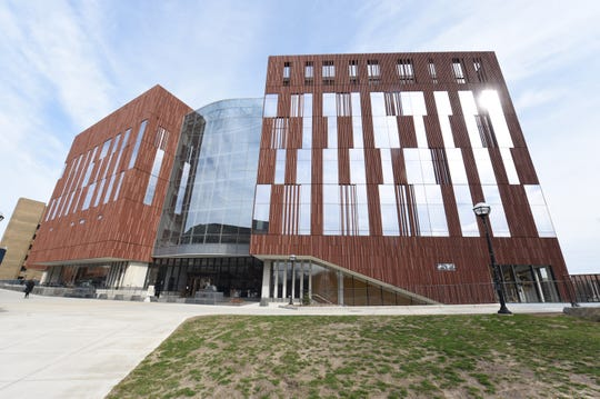 The University of Michigan's just-reopened Museum of Natural History is in the new $261 million Biological Sciences Building, designed by Detroit's SmithGroup and Ennead Architects in New York.