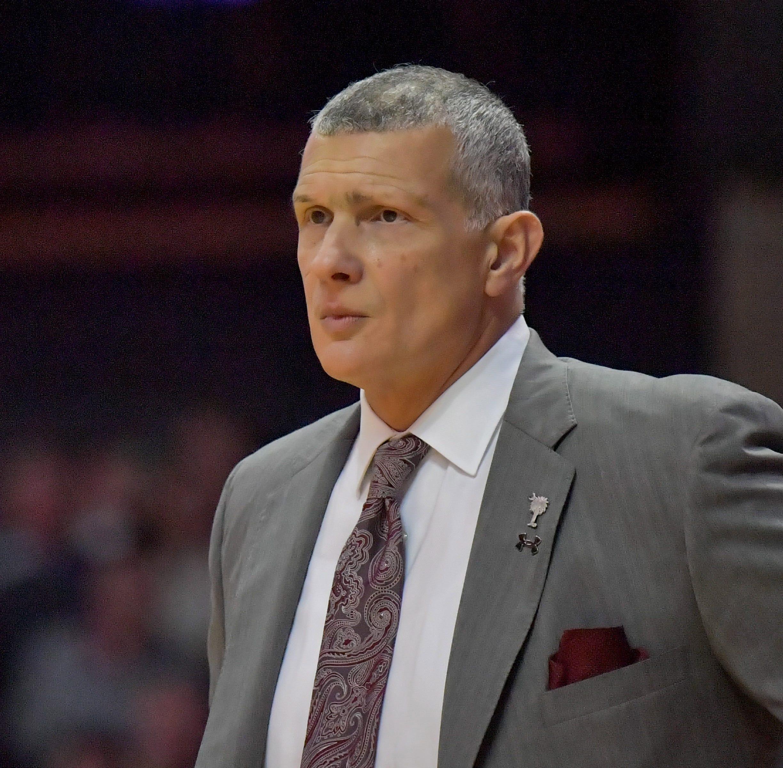 Frank Martin not leaving South Carolina for Cincinnati basketball job, source says