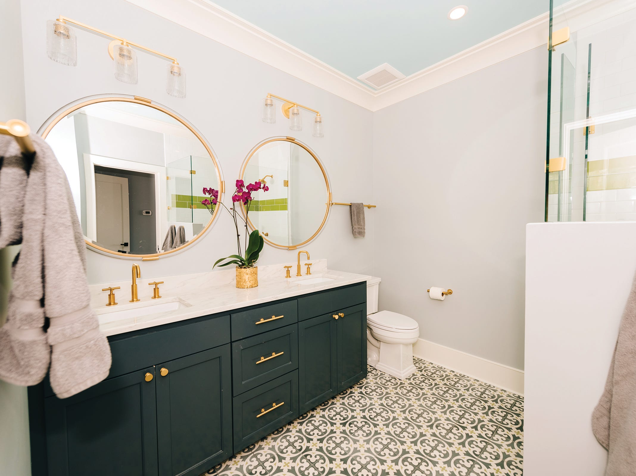 At first glance, a bathroom might seem like an odd choice as a favorite room. But if you sit back and think about how much time we as women actually spend in there, it makes a lot more sense to keep it in consideration.