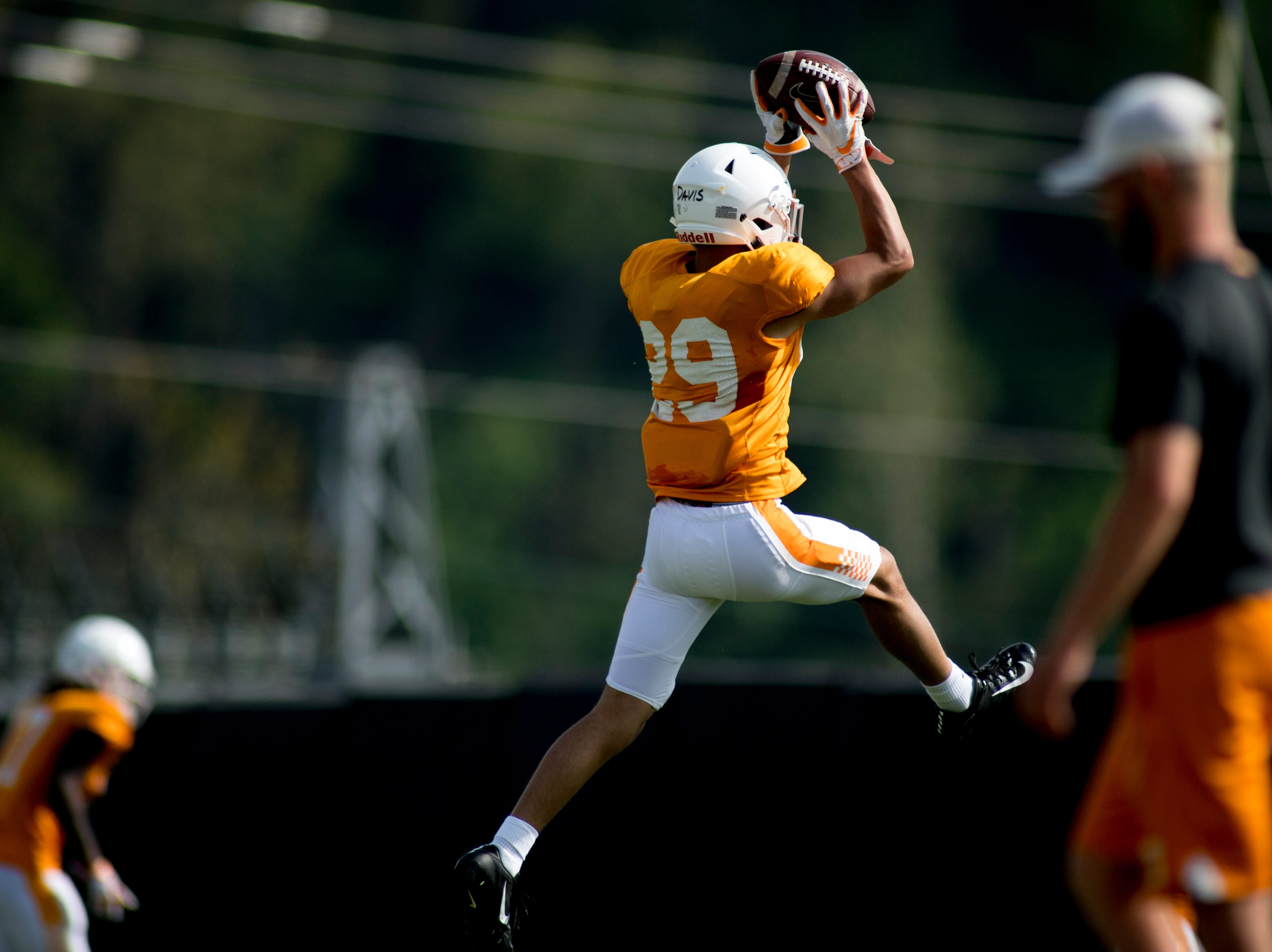 Tennessee's Brandon Davis (29) catches the ball during Tennessee spring practice at Haslam Field in Knoxville, Tennessee on Thursday, April 11, 2019.