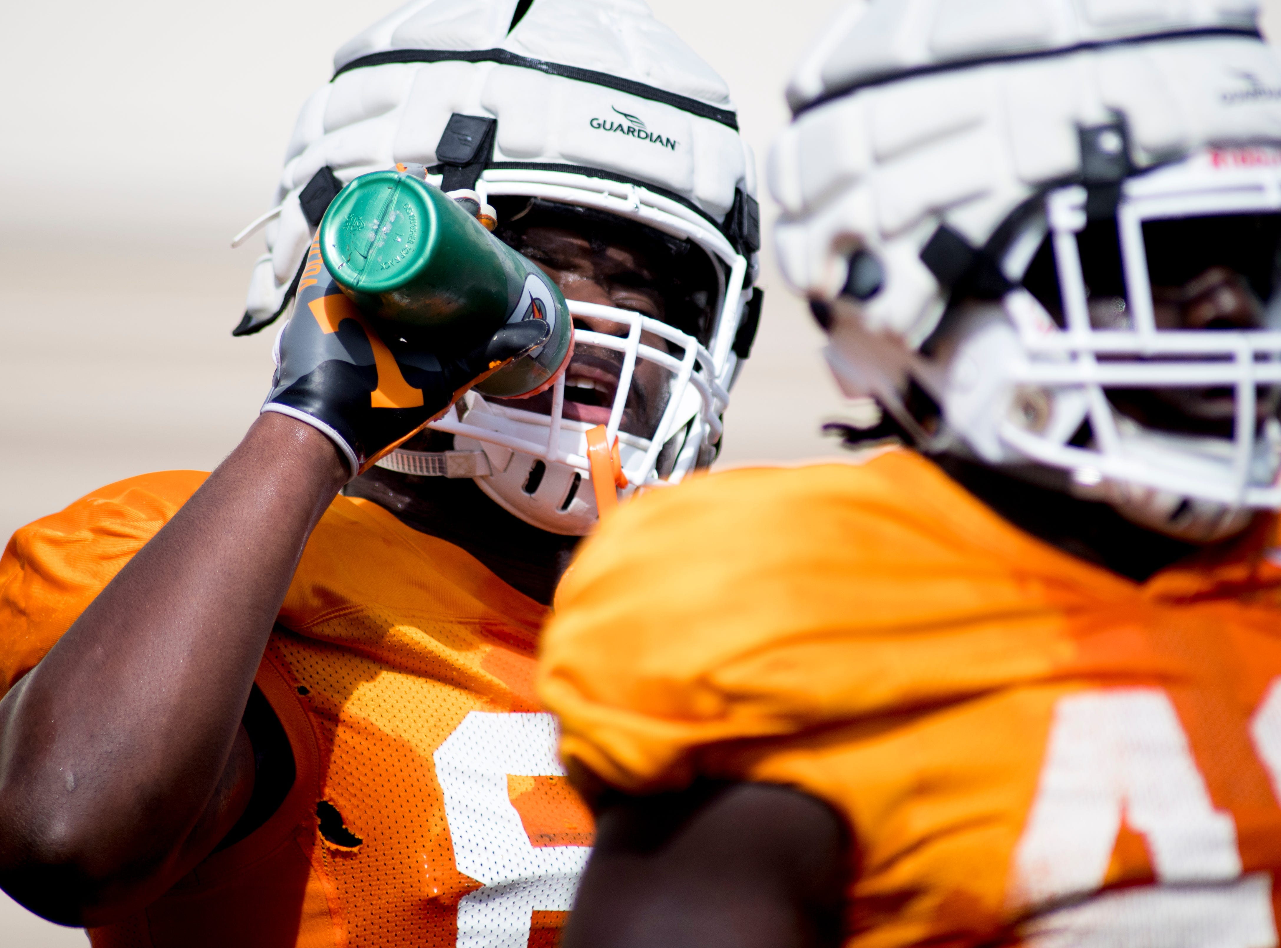 Tennessee's LaTrell Bumphus (88) takes a drink during Tennessee spring practice at Haslam Field in Knoxville, Tennessee on Thursday, April 11, 2019.