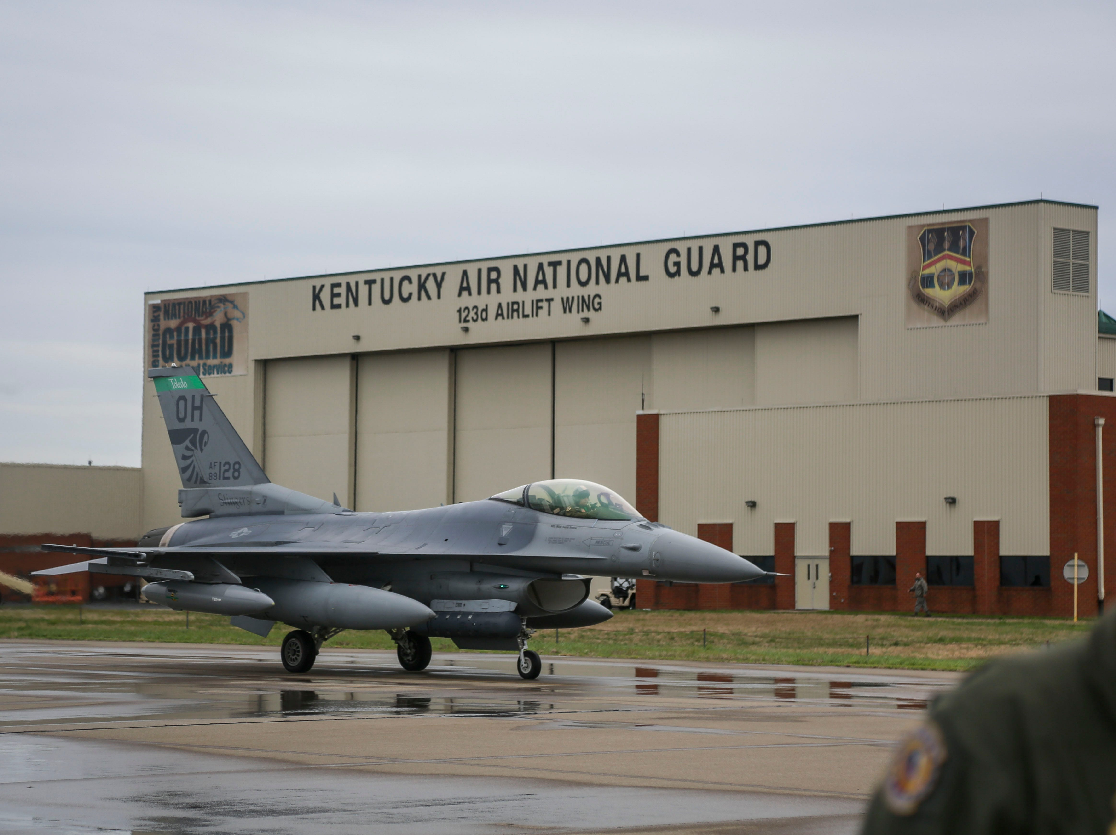 A F-16 Fighting Falcon, a single-engine supersonic multirole fighter aircraft, taxis on the runway of the Kentucky Air National Guard ahead of practice for Thunder Over Louisville in Louisville, Ky. on Friday, April 12, 2019.
