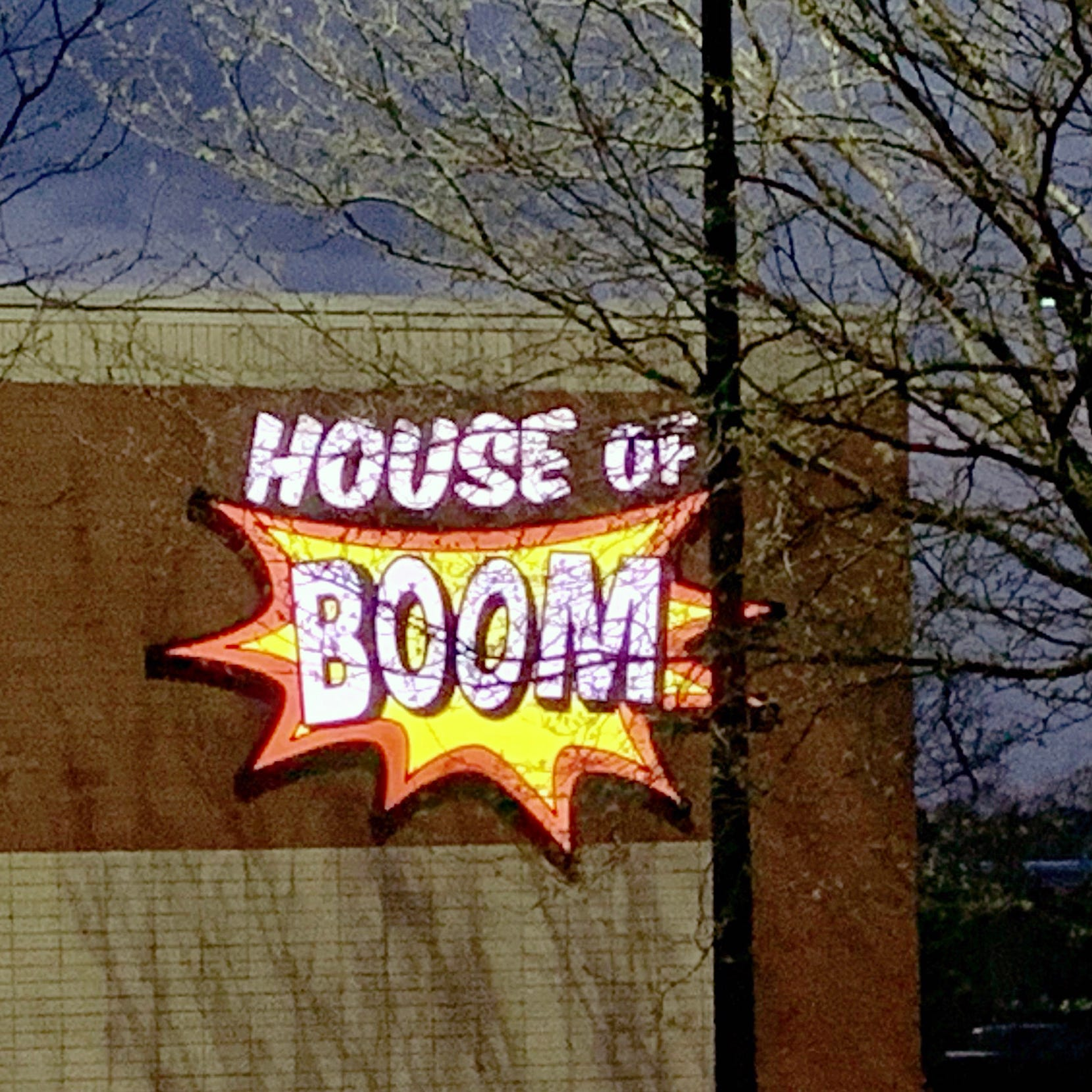 Man wins nearly $500K from House of Boom in trampoline-safety lawsuit