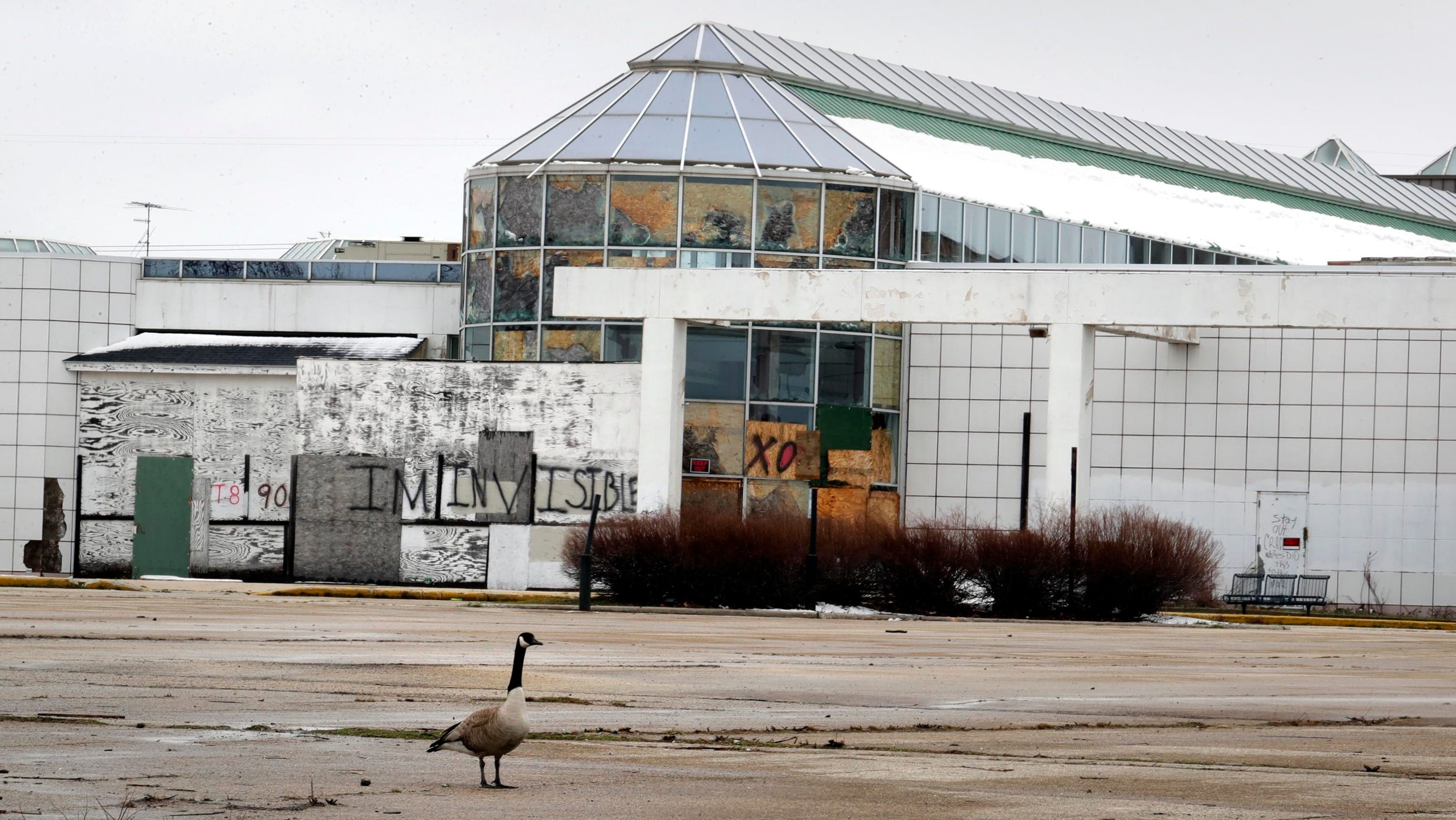 Northridge owner owes Milwaukee $175,000 in overdue property taxes