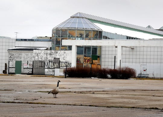 The Chinese investors group that owns the former Northridge Mall plans to appeal a raze order issued by Milwaukee officials.