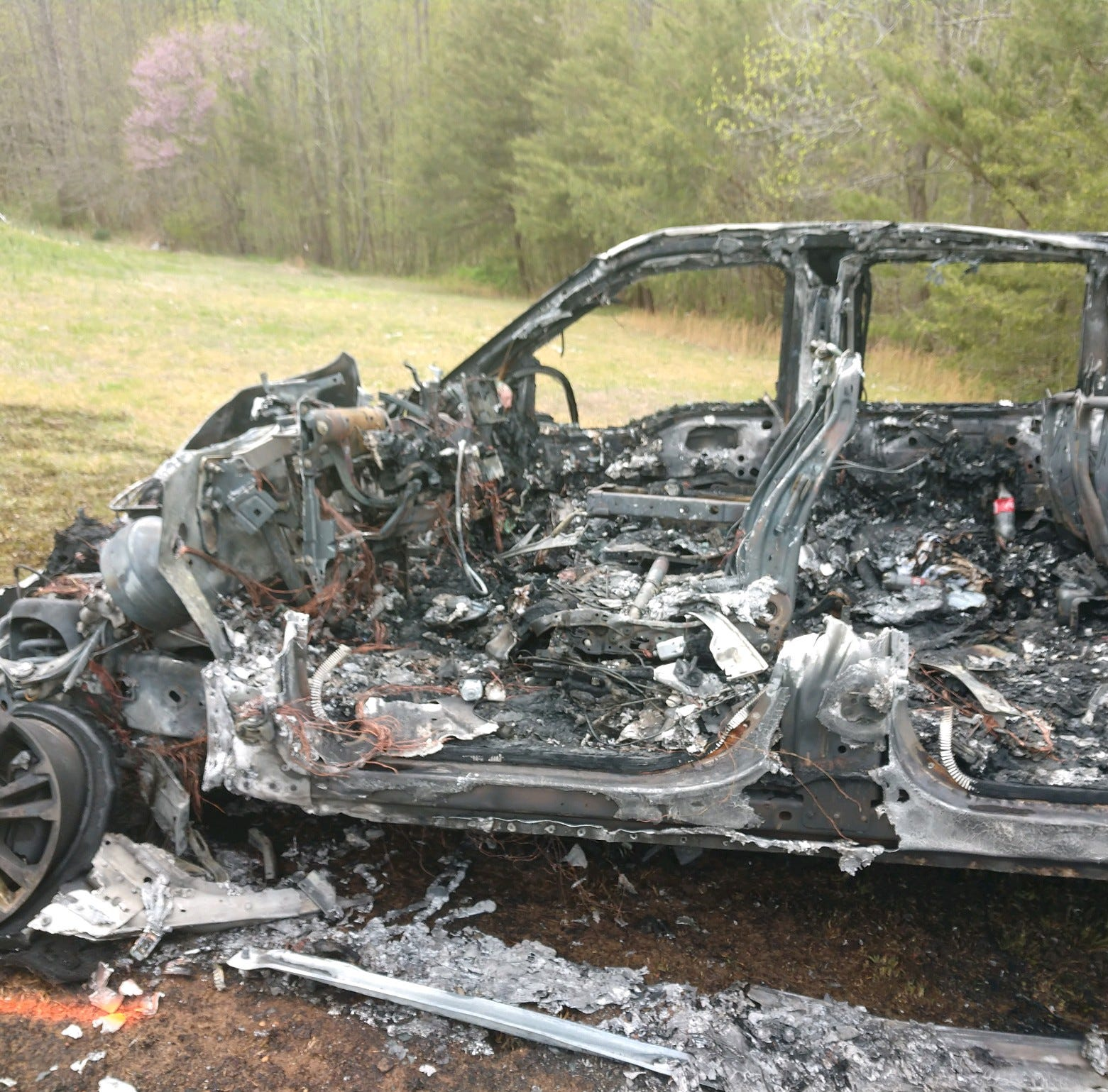Fiery three-vehicle wreck includes Ashland City Police car