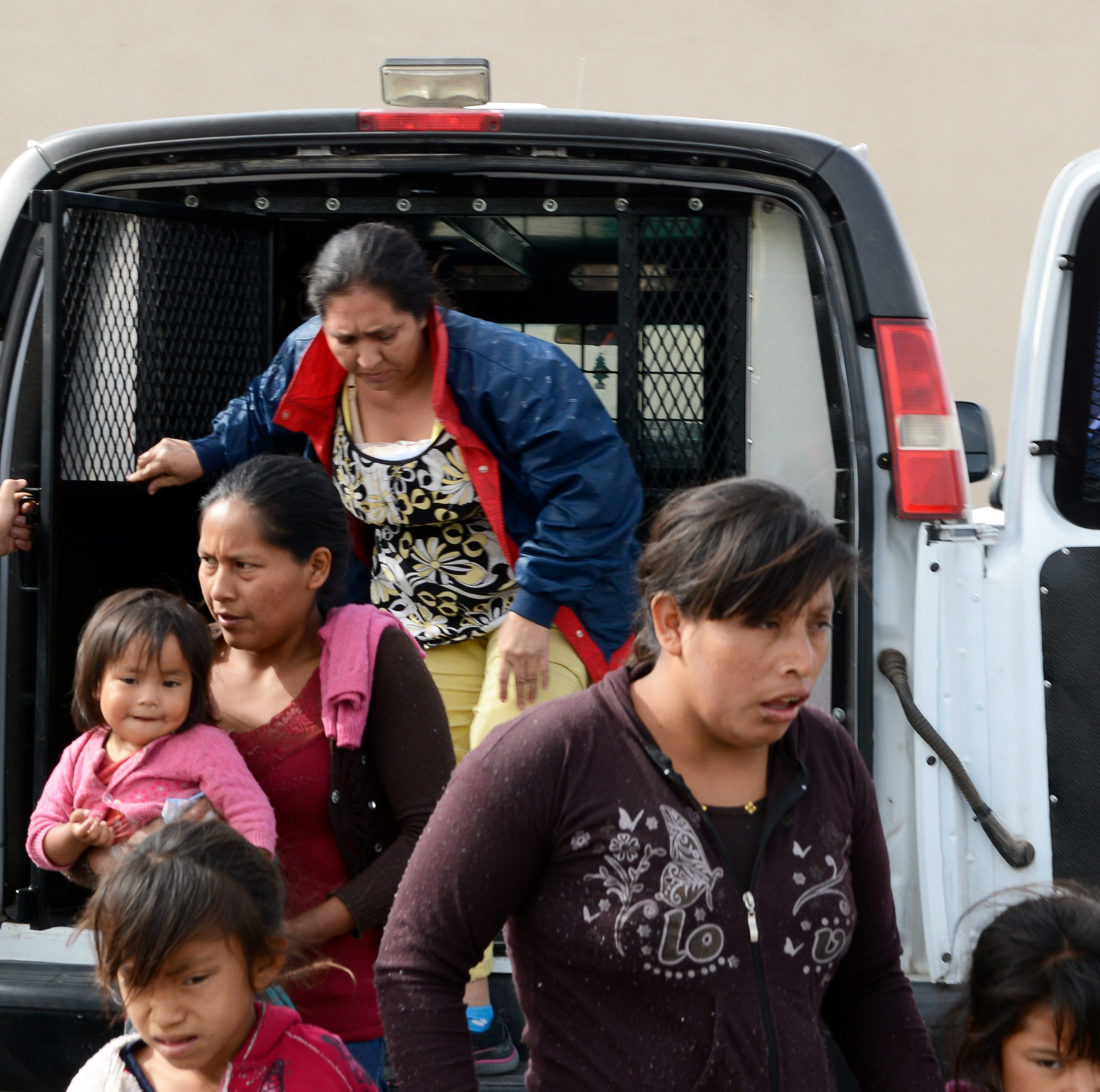 Border Patrol drops off migrants in Las Cruces for first time