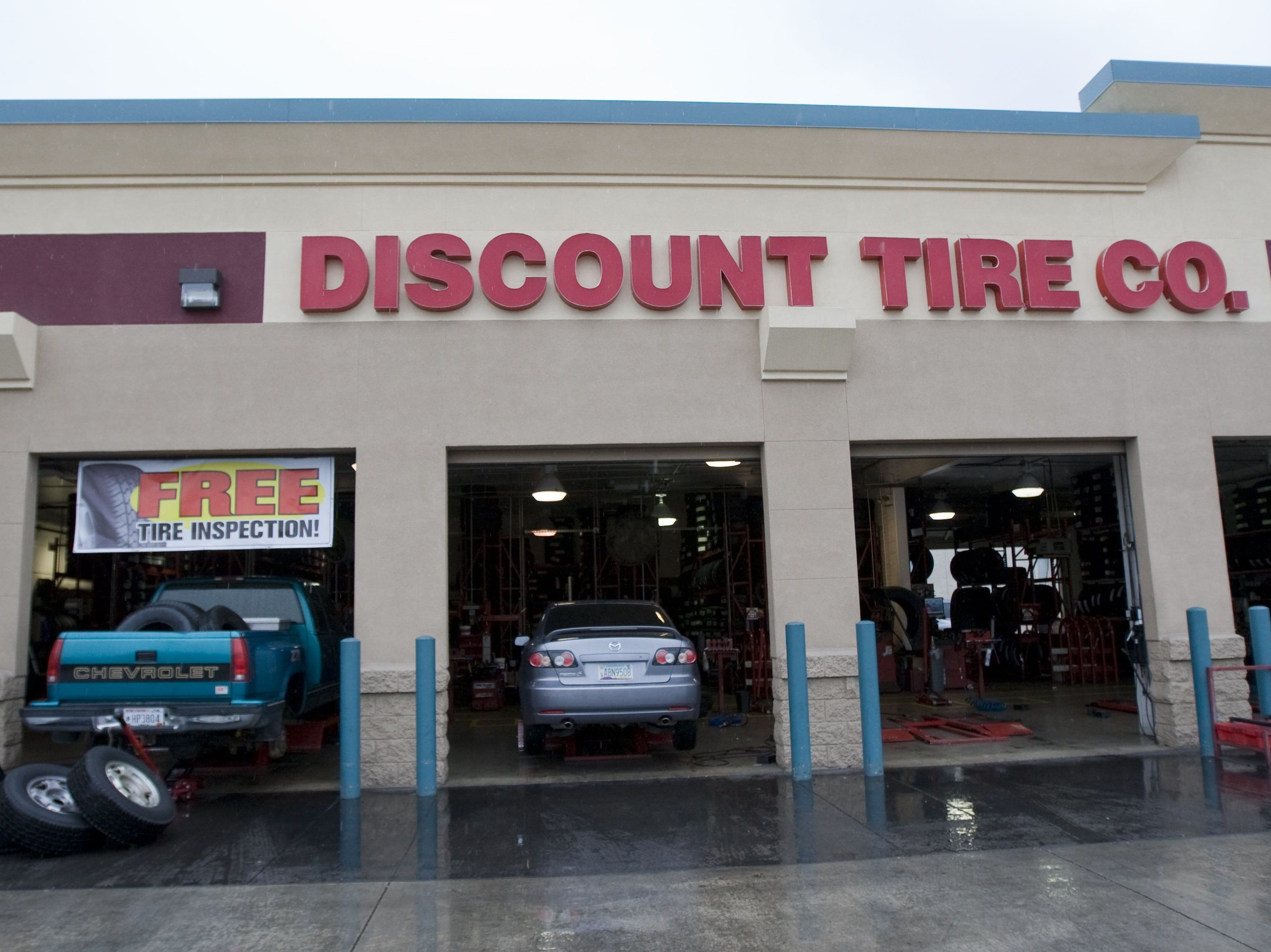 No. 74: Discount Tire | Automotive tires, wheels | 2019 employees: 2,612 | 2018 employees: 2,370 | Ownership: Private | Headquarters: Scottsdale | www.discounttire.com