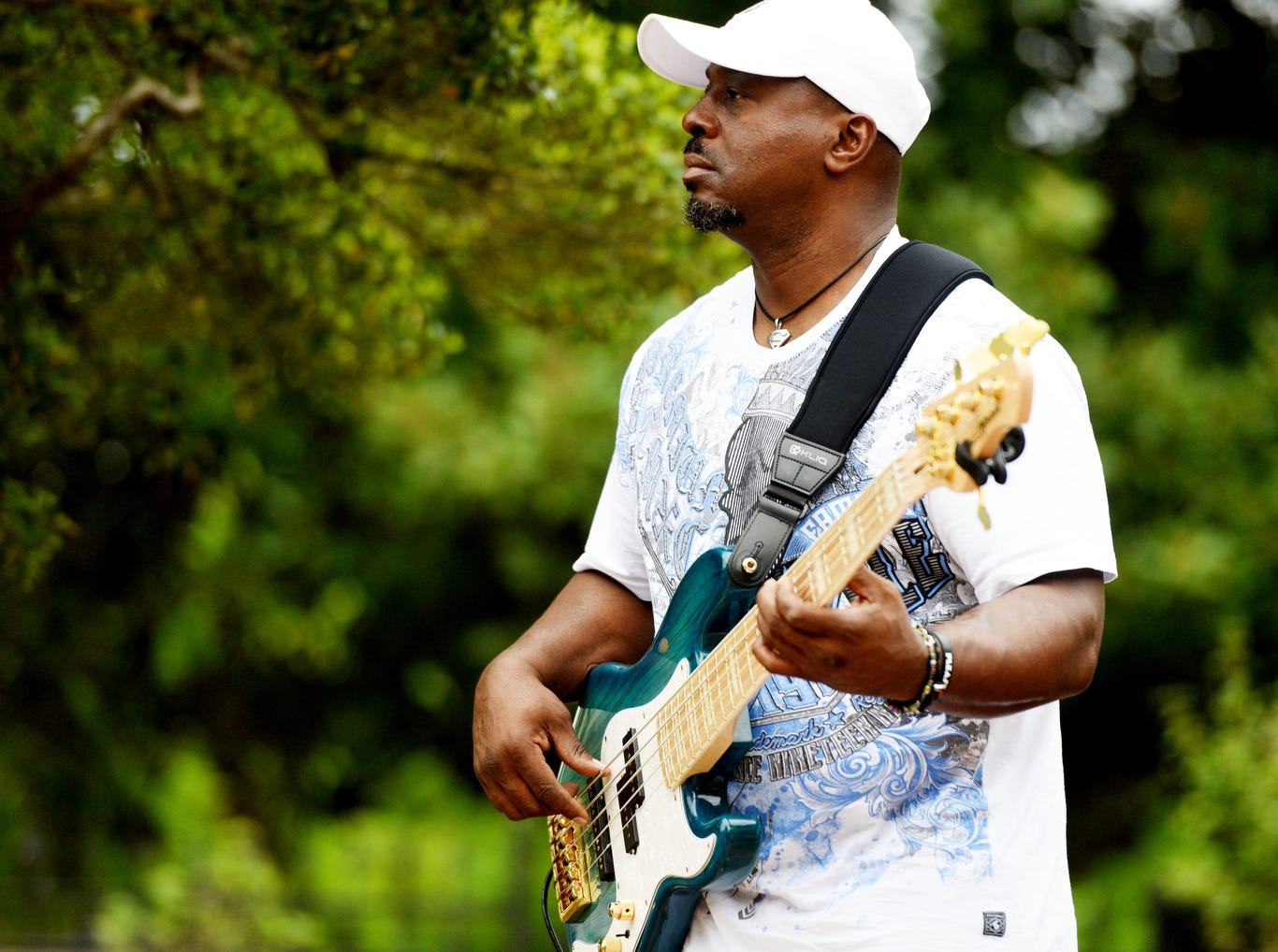 Jam on the Red concert series began with the band Total Choice Thursday evening April 11, 2019 at the Shreveport Aquarium.