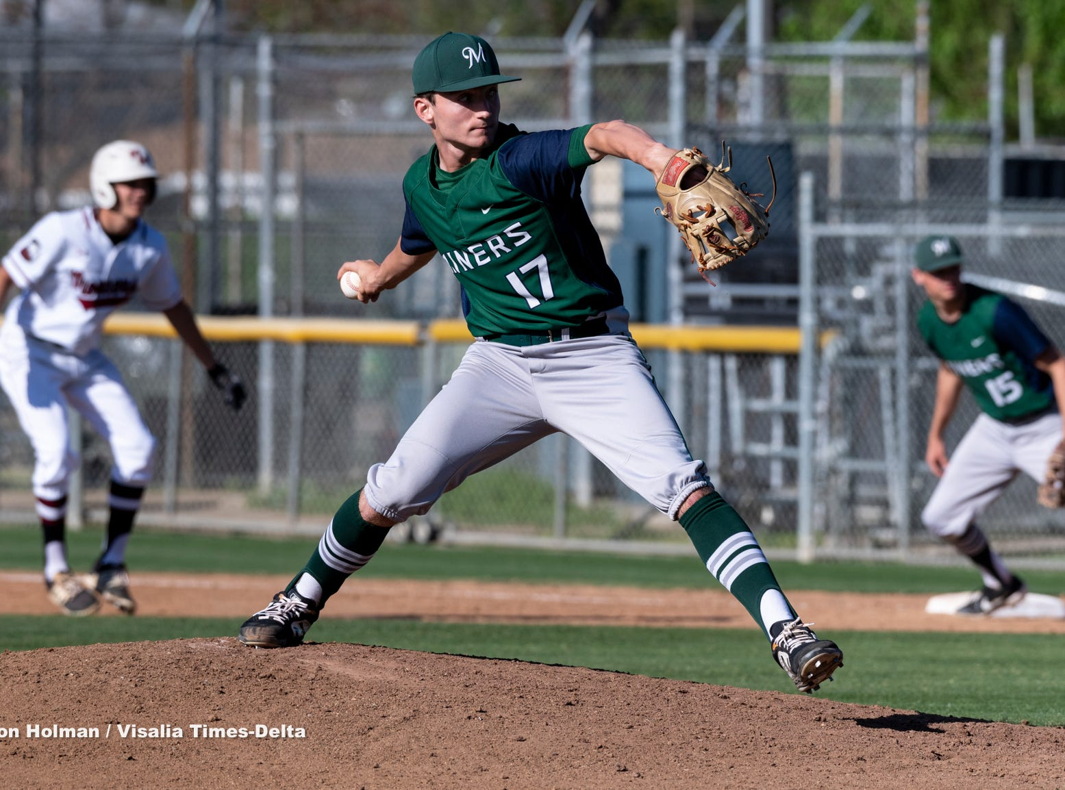 El Diamante's Riley Creech pitches against Mt. Whitney on Wednesday, April 10, 2019.