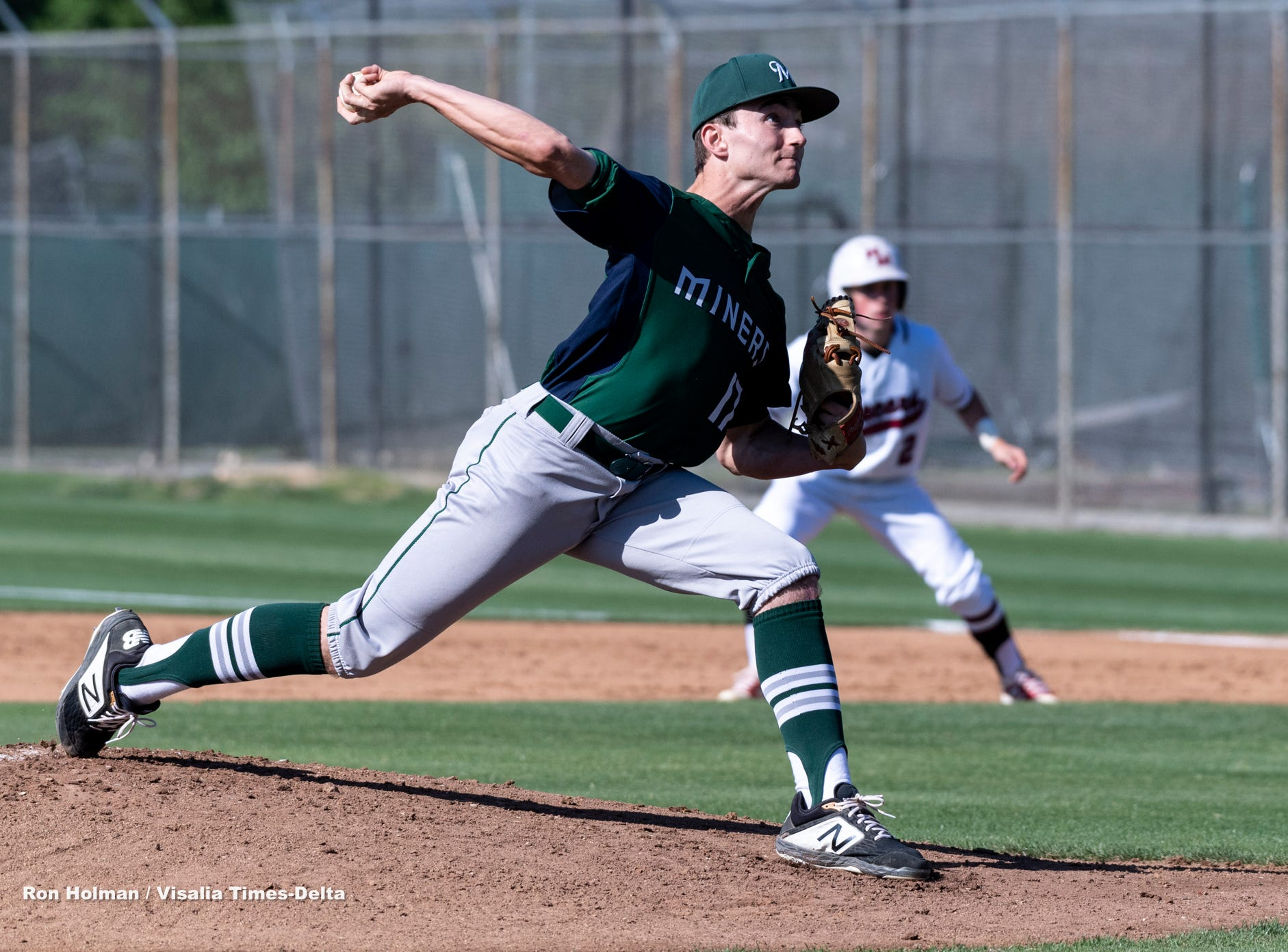 El Diamante's Riley Creech pitches against Mt. Whitney in baseball on Wednesday, April 10, 2019.