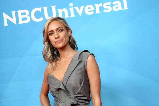Kristin Cavallari shared how Jay Cutler helped her unclog her ducts over a dinner with friends in Cabo San Lucas.