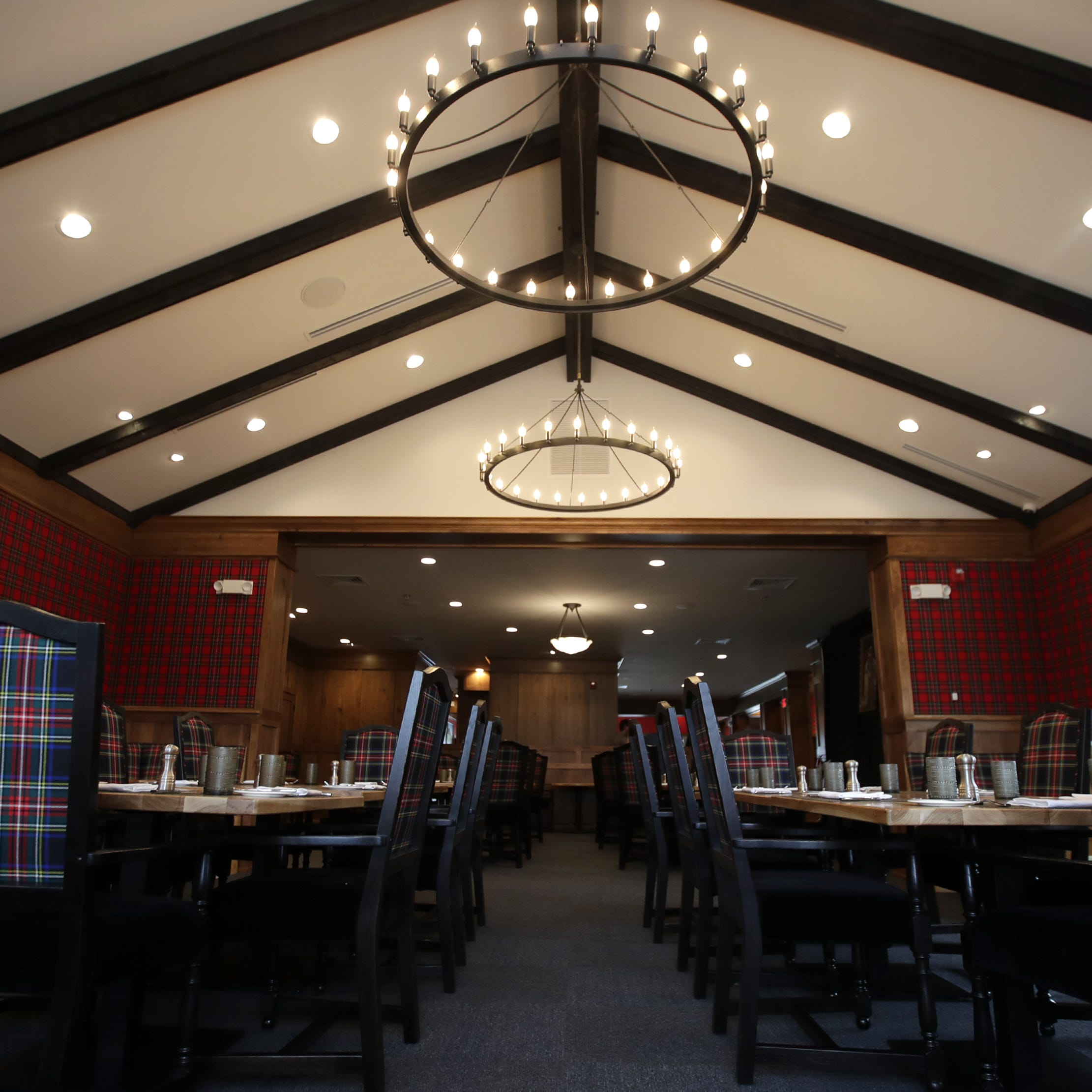 TJ's Highland Steakhouse brings plaid, Scotch and fine dining to Oshkosh | Streetwise