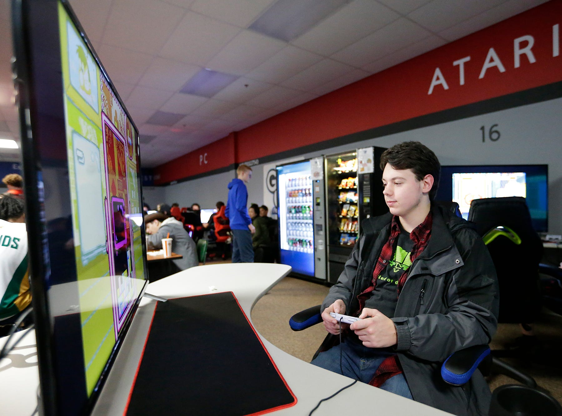 Reese Rognsvoog of Racine is one of dozens of Students from schools throughout Wisconsin taking part in the Wisconsin High School Esports Association's State Championship Saturday, April 13, 2019 at Game On in Fond du Lac Wisconsin. Teams compete in 4 games during the event. Overwatch, Rocket League, League of Legends, and Smash Ultimate. Doug Raflik/USA TODAY NETWORK-Wisconsin
