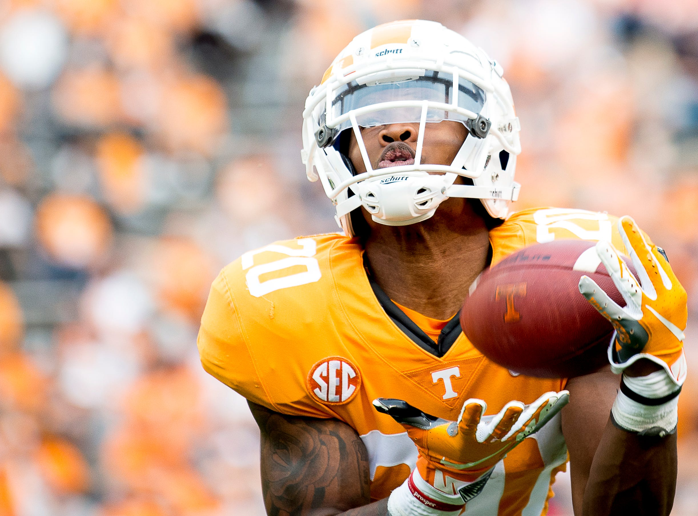 Tennessee defensive back Bryce Thompson (20) catches a pass during  the Tennessee Spring Game at Neyland Stadium in Knoxville, Tennessee on Saturday, April 13, 2019.