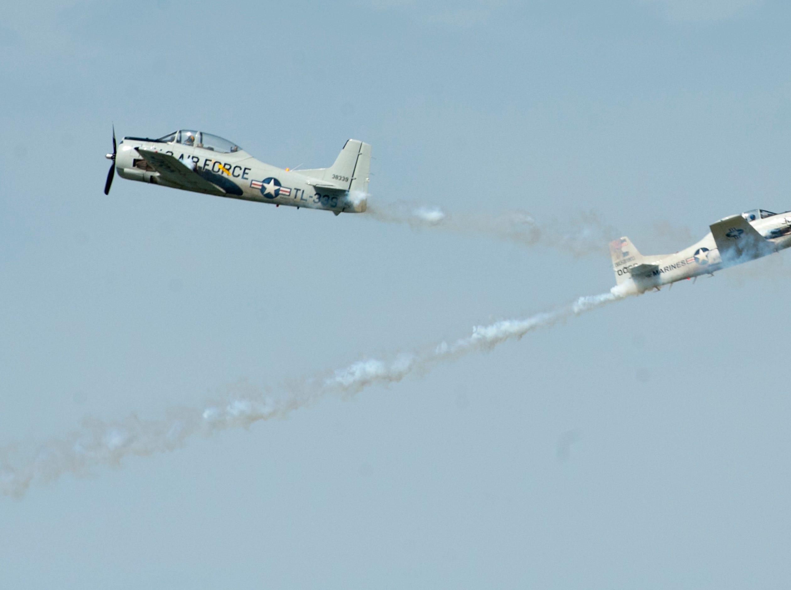 Trojan Thunder T-28s perform at the 2019 Thunder Over Louisville Air Show.13 April 2019