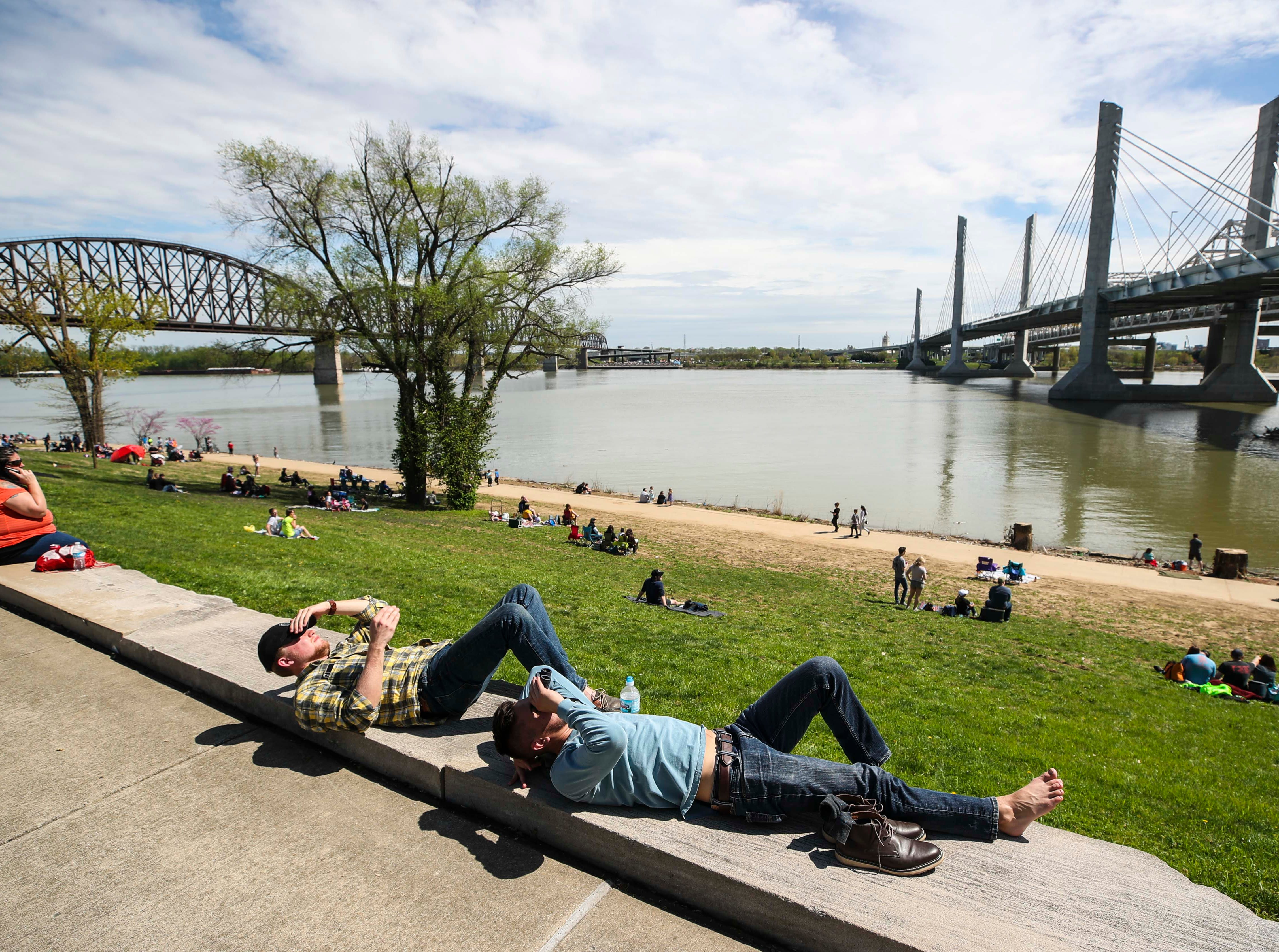 Scenes from the Indiana riverfront during 2019 Thunder Over Louisville. April 13, 2019